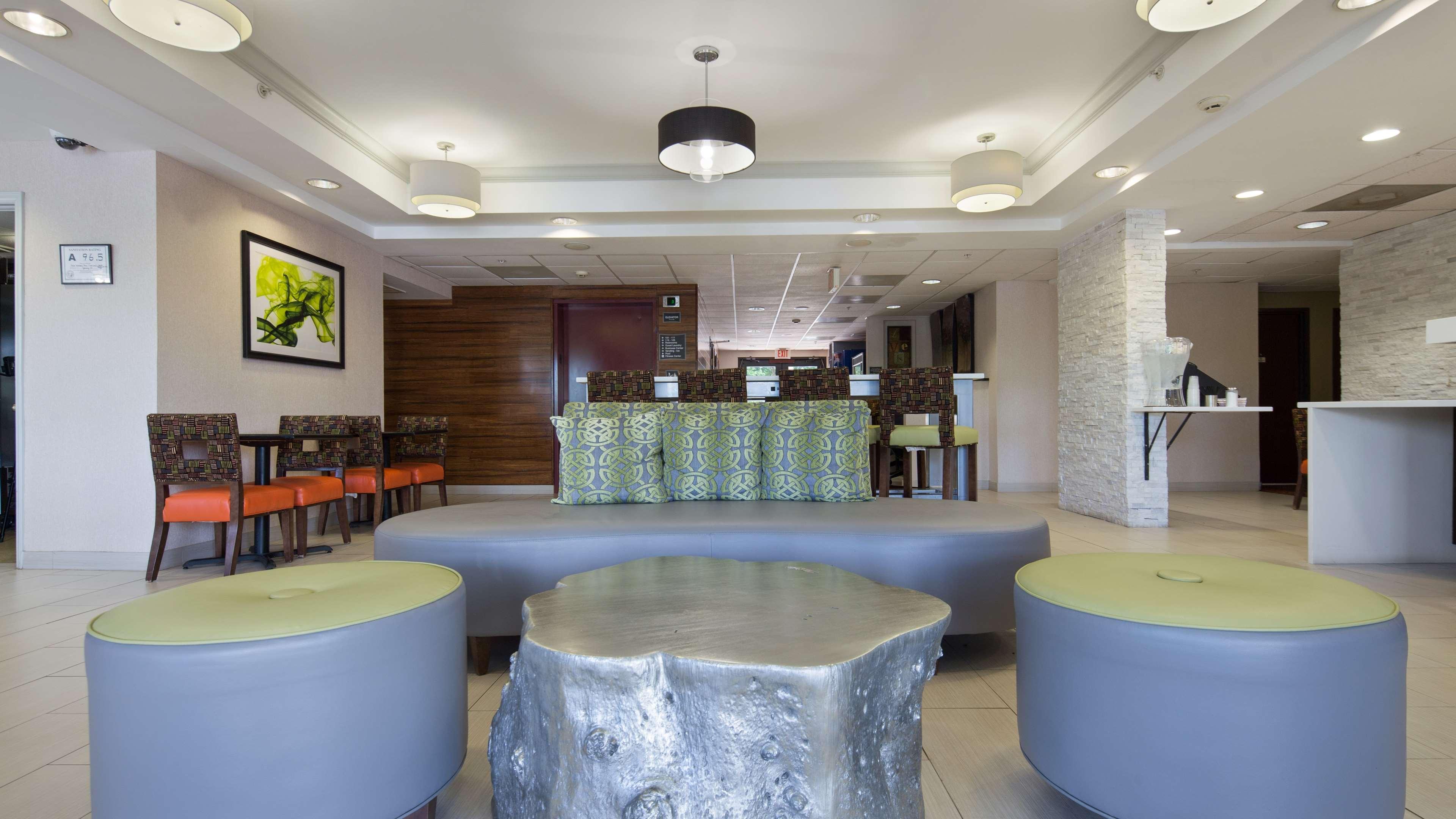 Best Western Plus Huntersville Inn & Suites Near Lake Norman image 3