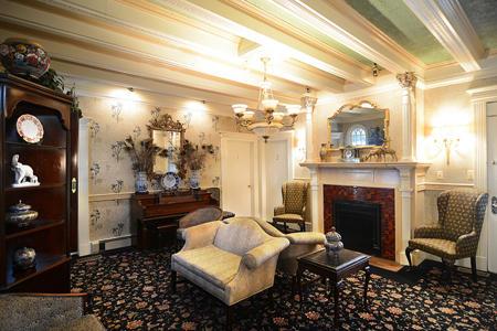 Horizon Manor image 1