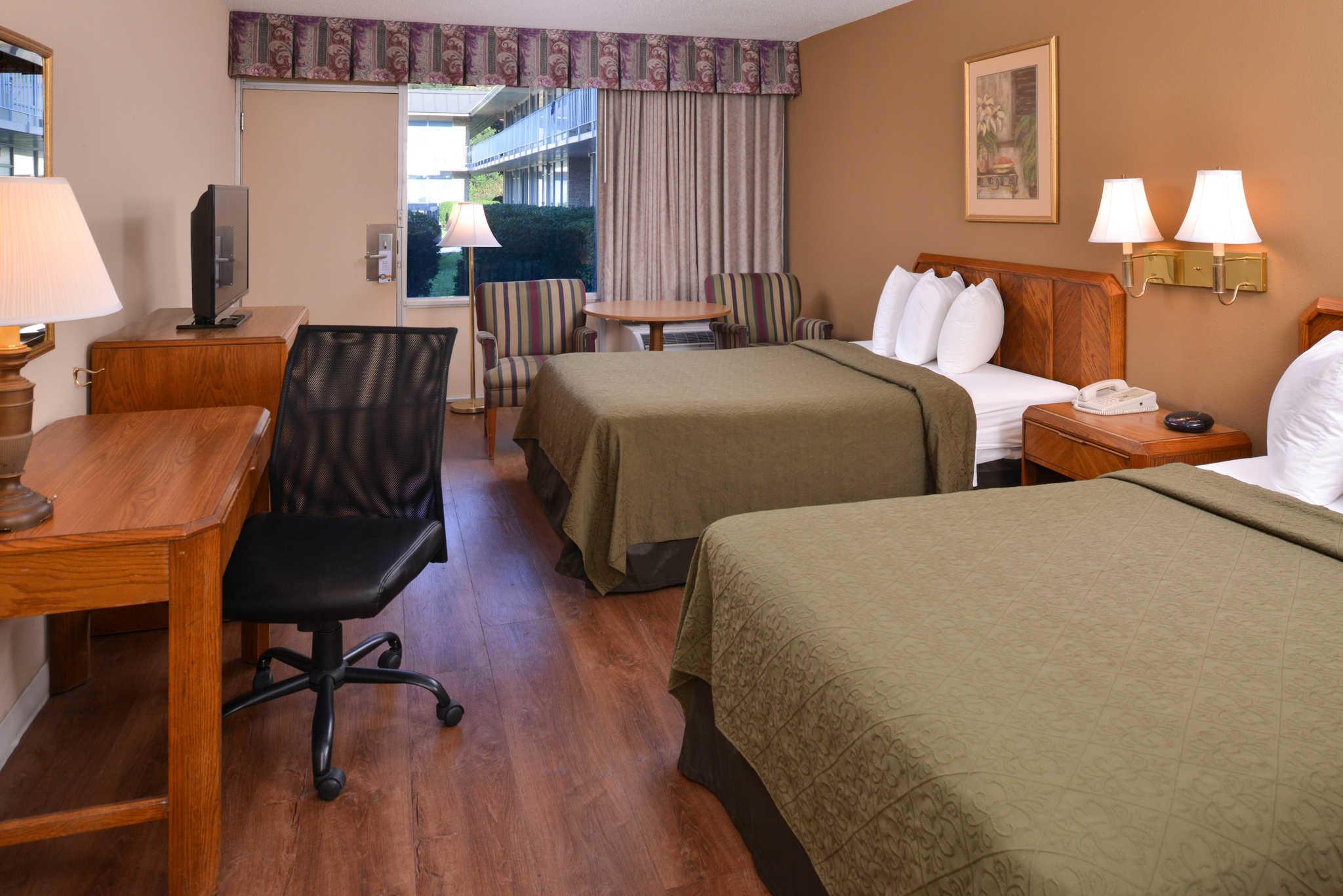 Quality Inn Dutch Inn image 13