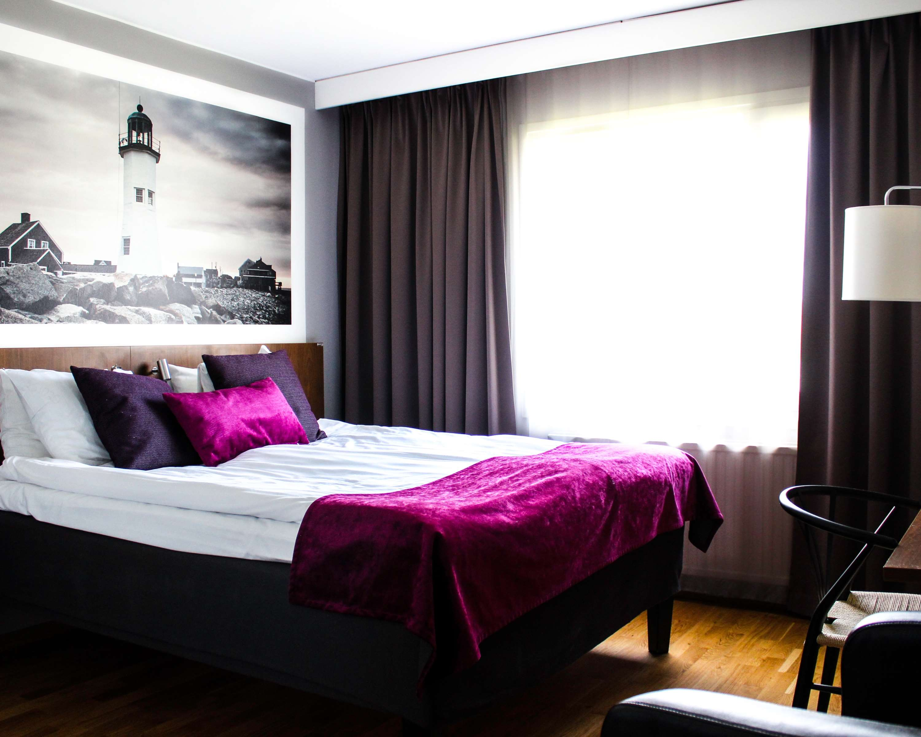 Queen Bed w/ Wall Bed