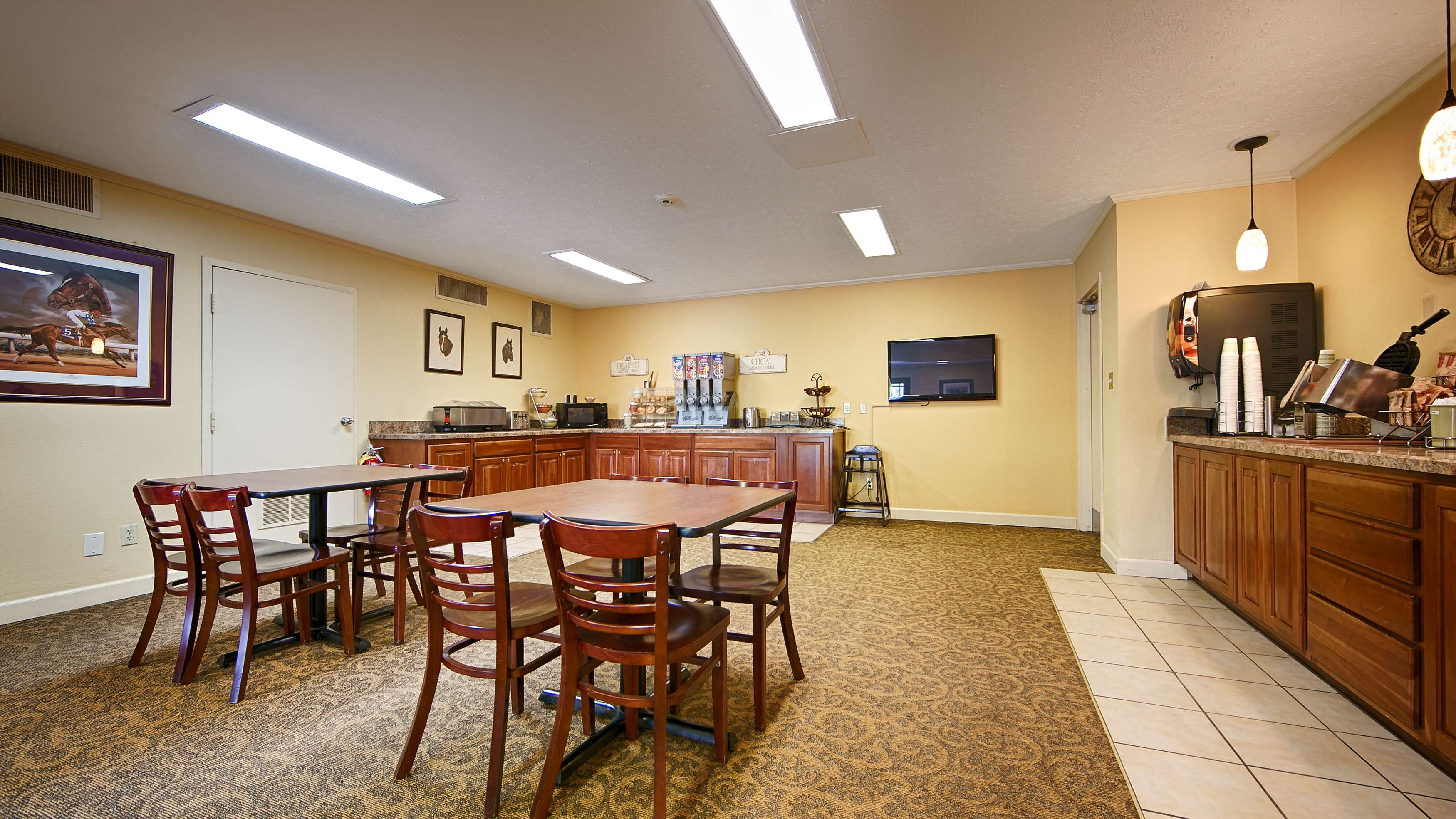 Best Western Shelbyville Lodge image 11