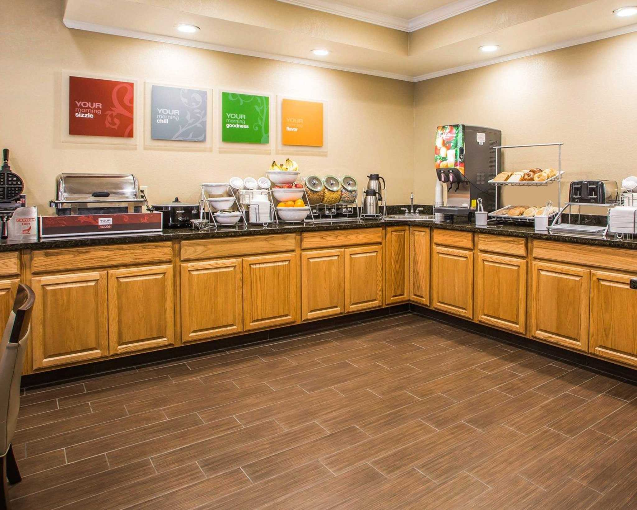Comfort Inn & Suites Waterloo – Cedar Falls image 21