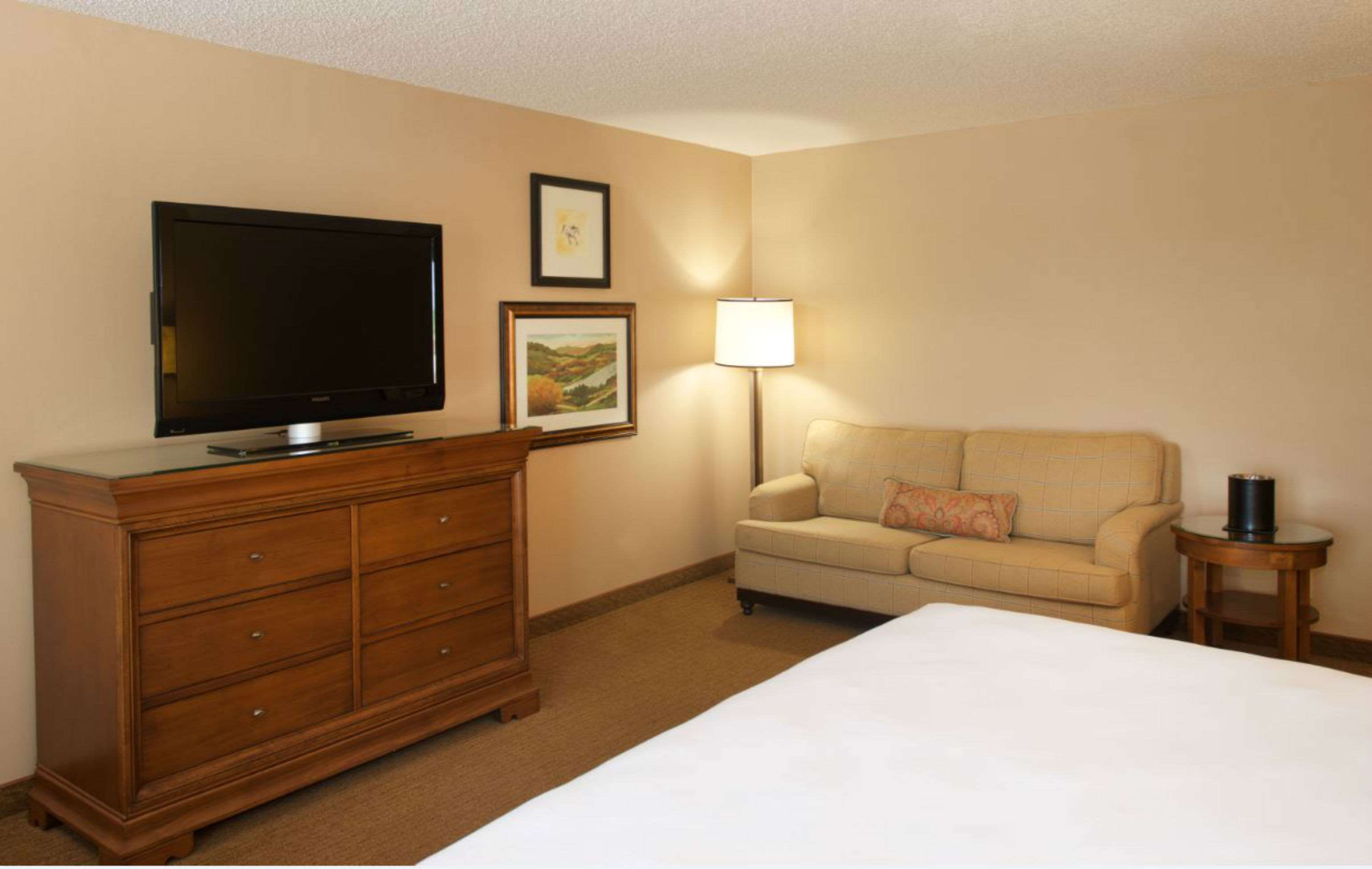 DoubleTree by Hilton Hotel Bloomington - Minneapolis South image 6