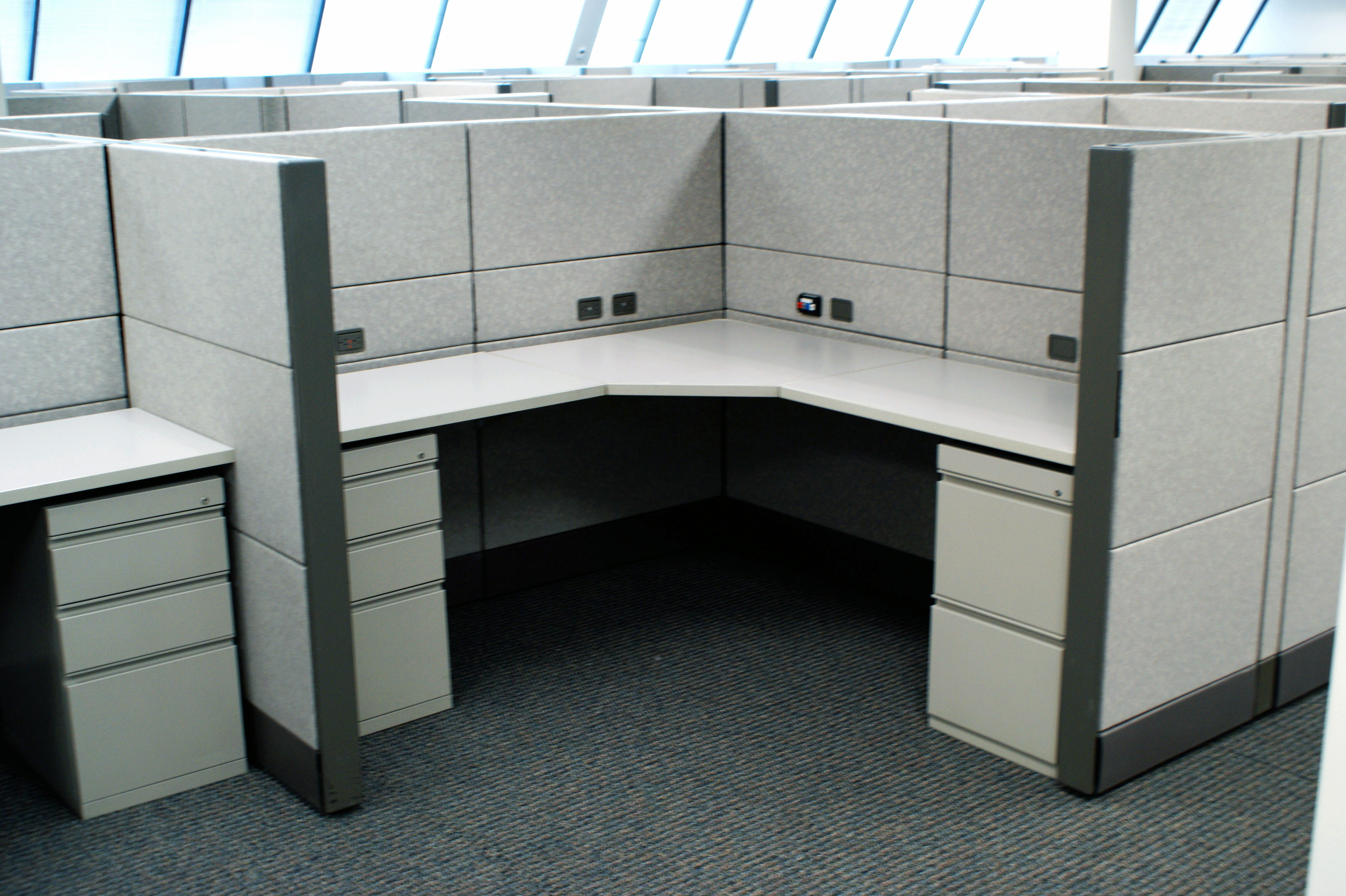 Davena office environments in farmingdale ny 631 293 2016 for Furniture zone albany