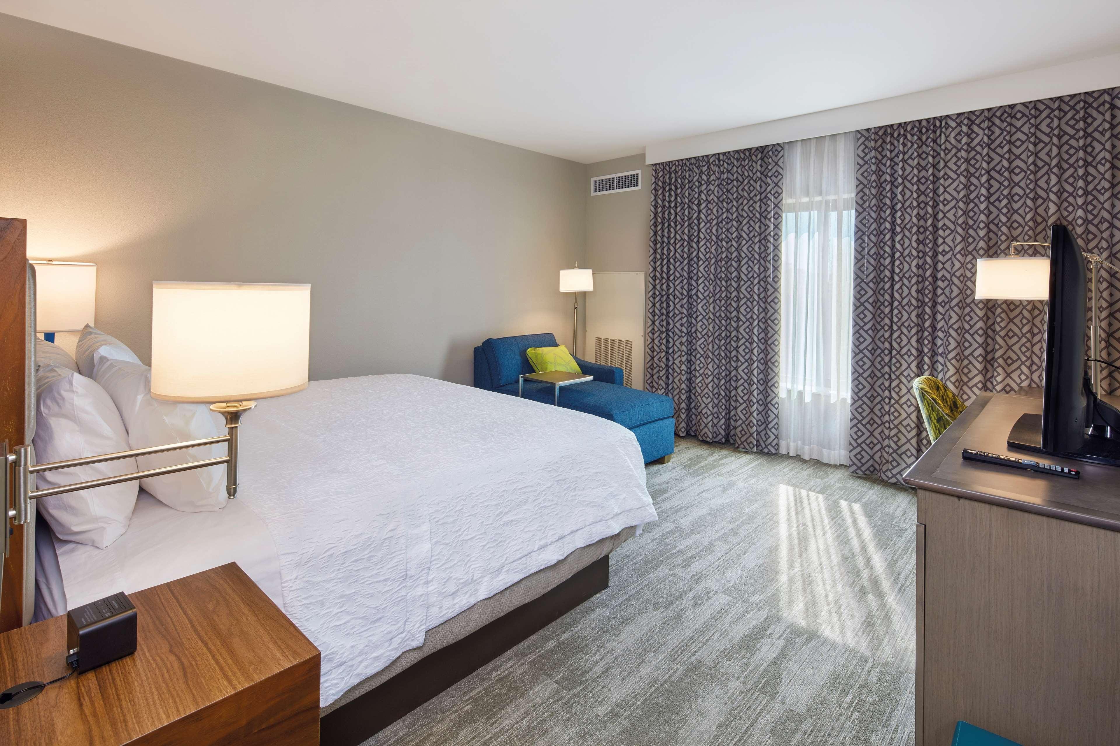 Hampton Inn & Suites Sacramento at CSUS image 43
