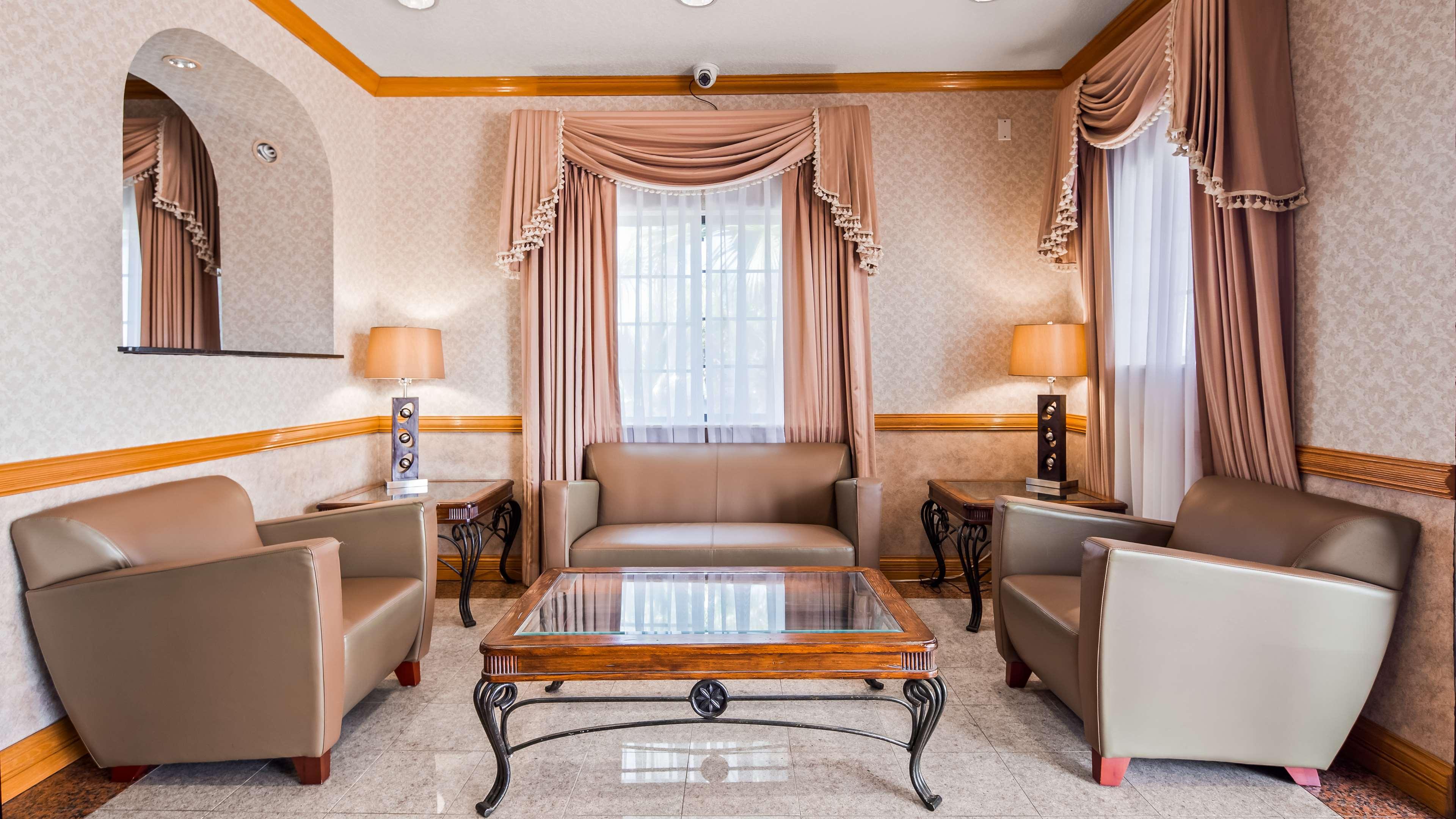 SureStay Hotel by Best Western Falfurrias image 20
