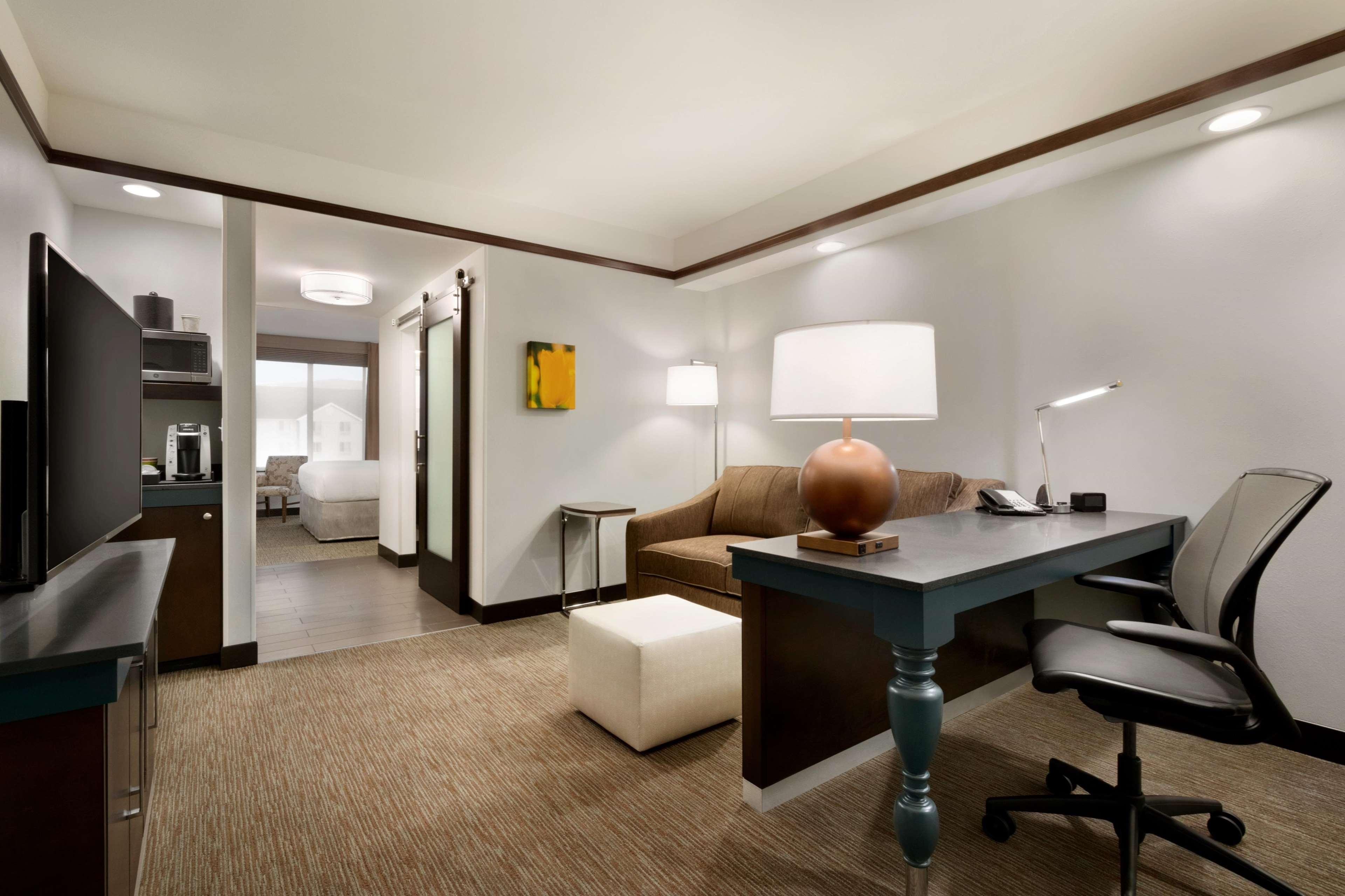 Hilton Garden Inn Medford image 3