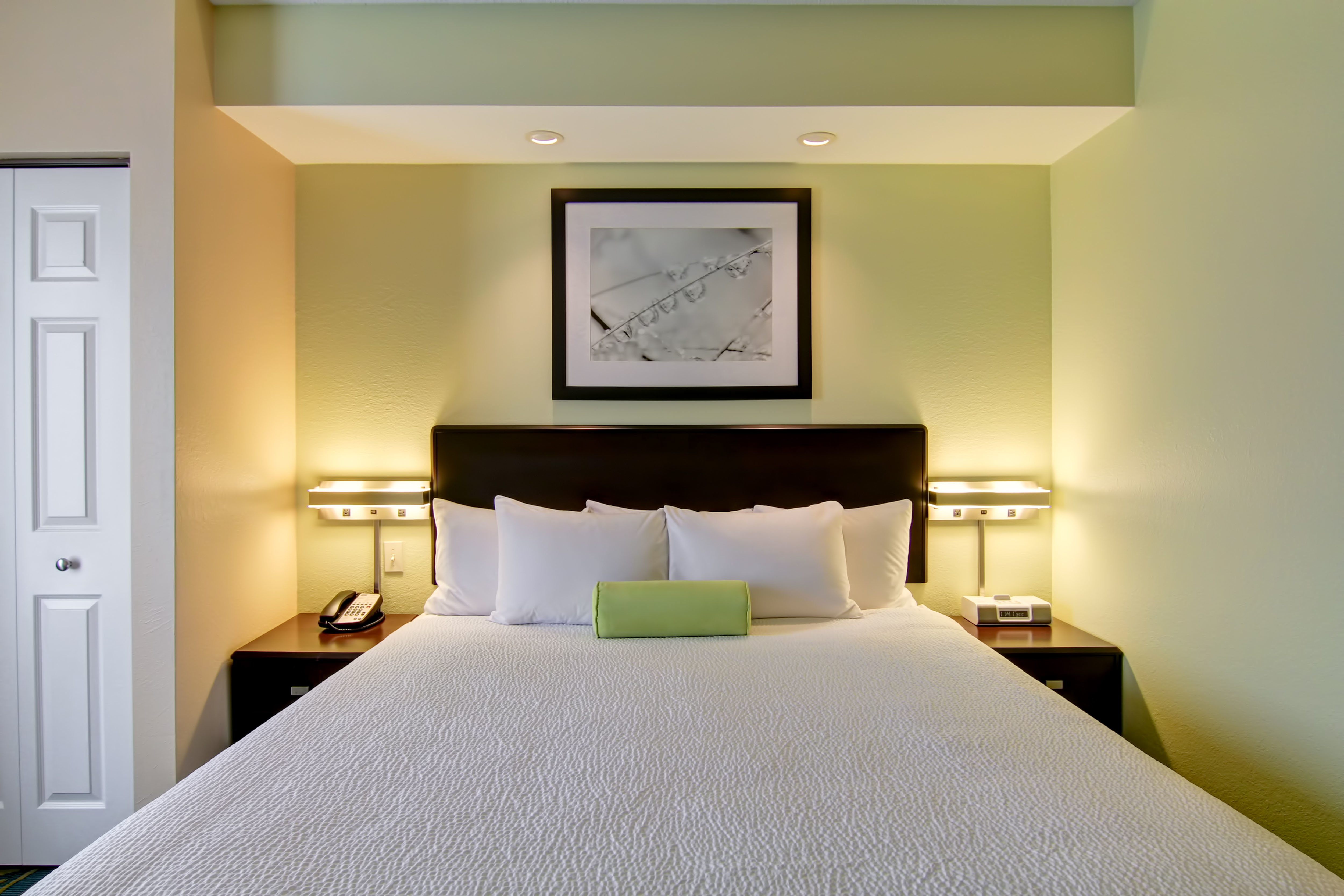 SpringHill Suites by Marriott Erie image 3