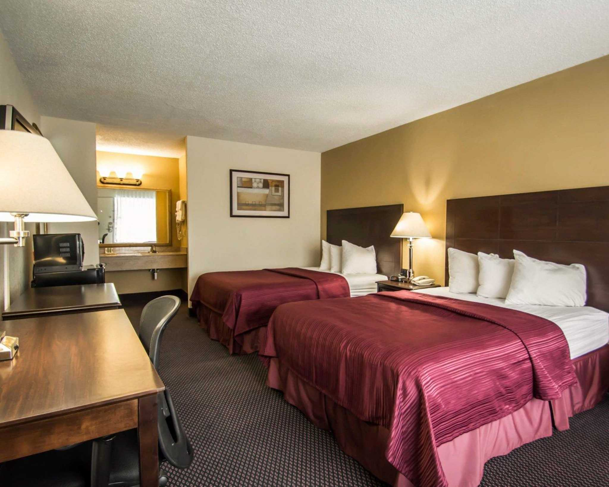 Quality Inn I-75 at Exit 399 image 7