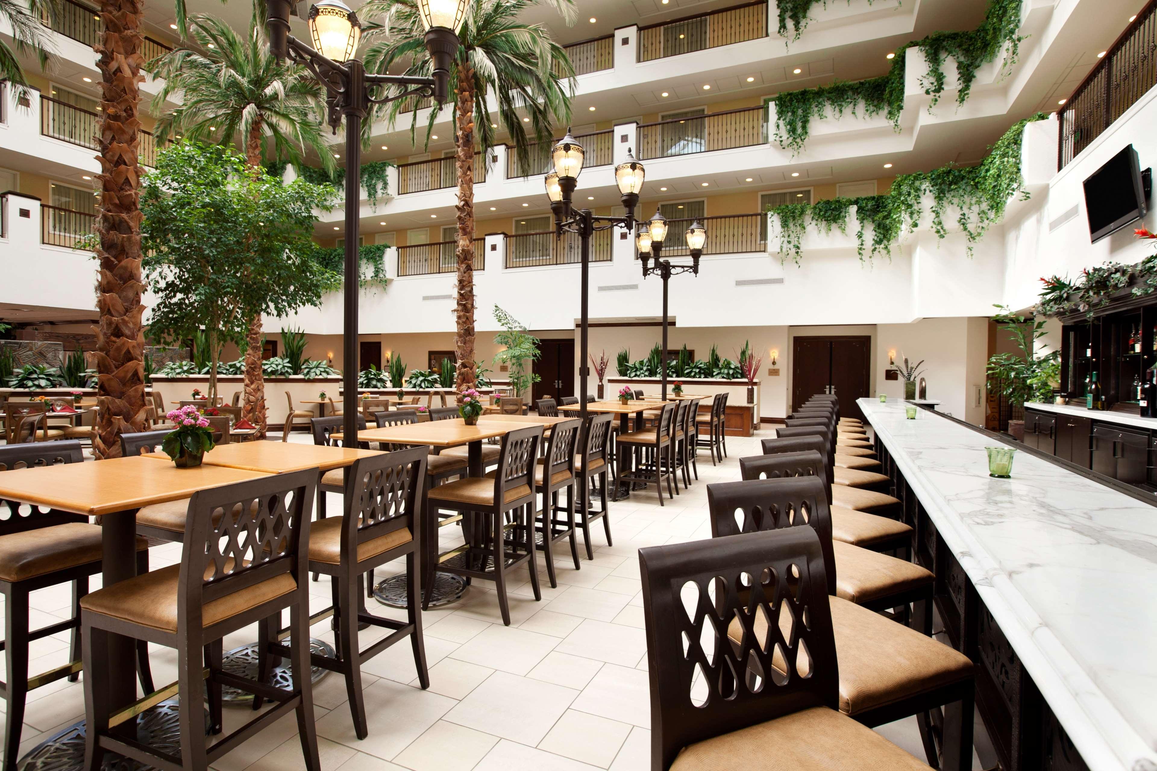 Embassy Suites by Hilton La Quinta Hotel & Spa image 41