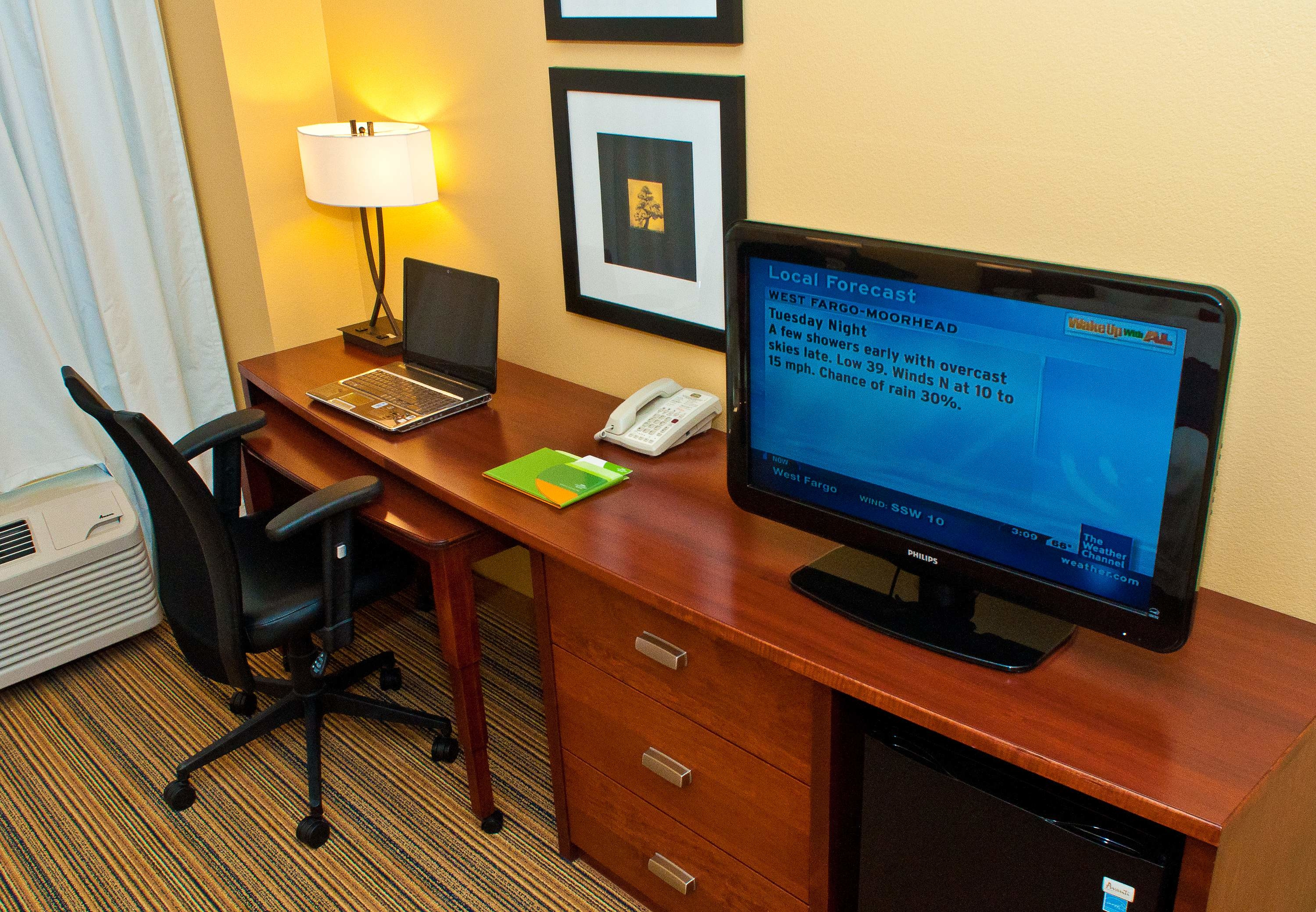 Courtyard by Marriott Fargo Moorhead, MN image 2
