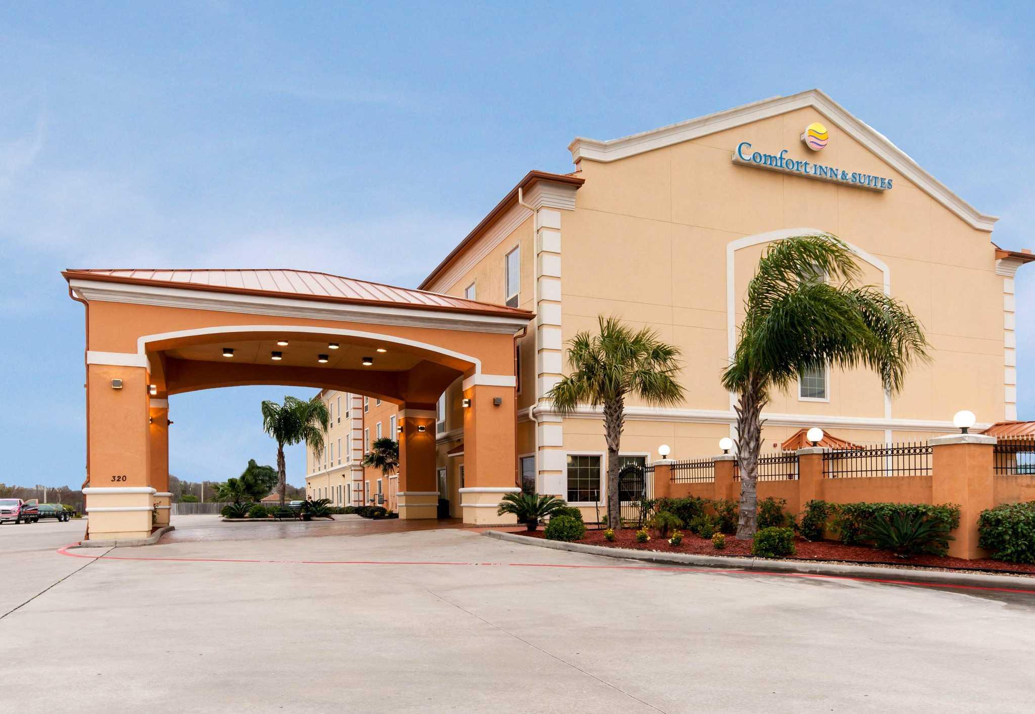 Comfort Inn Amp Suites Texas City 320 Highway 146 North