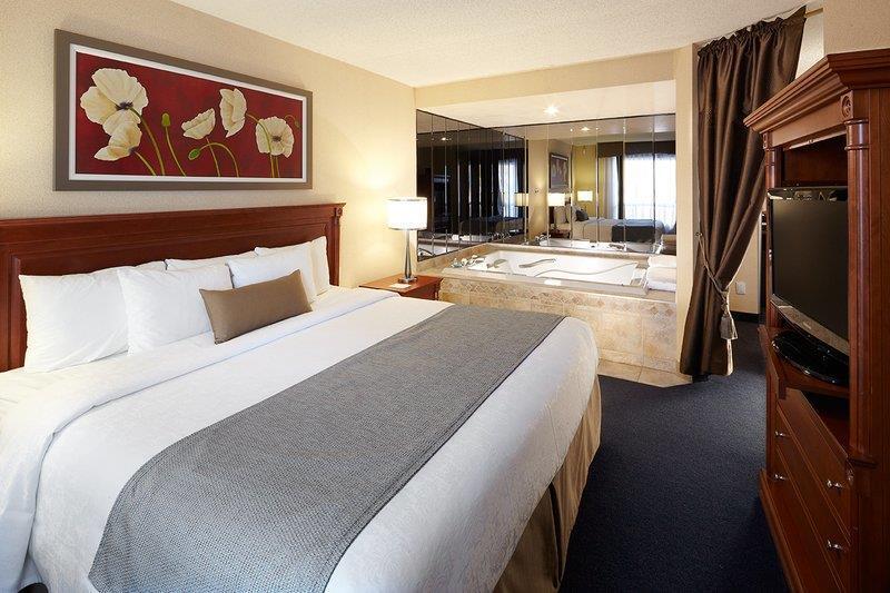 Best Western Hotel Brossard à Brossard: Suite King
