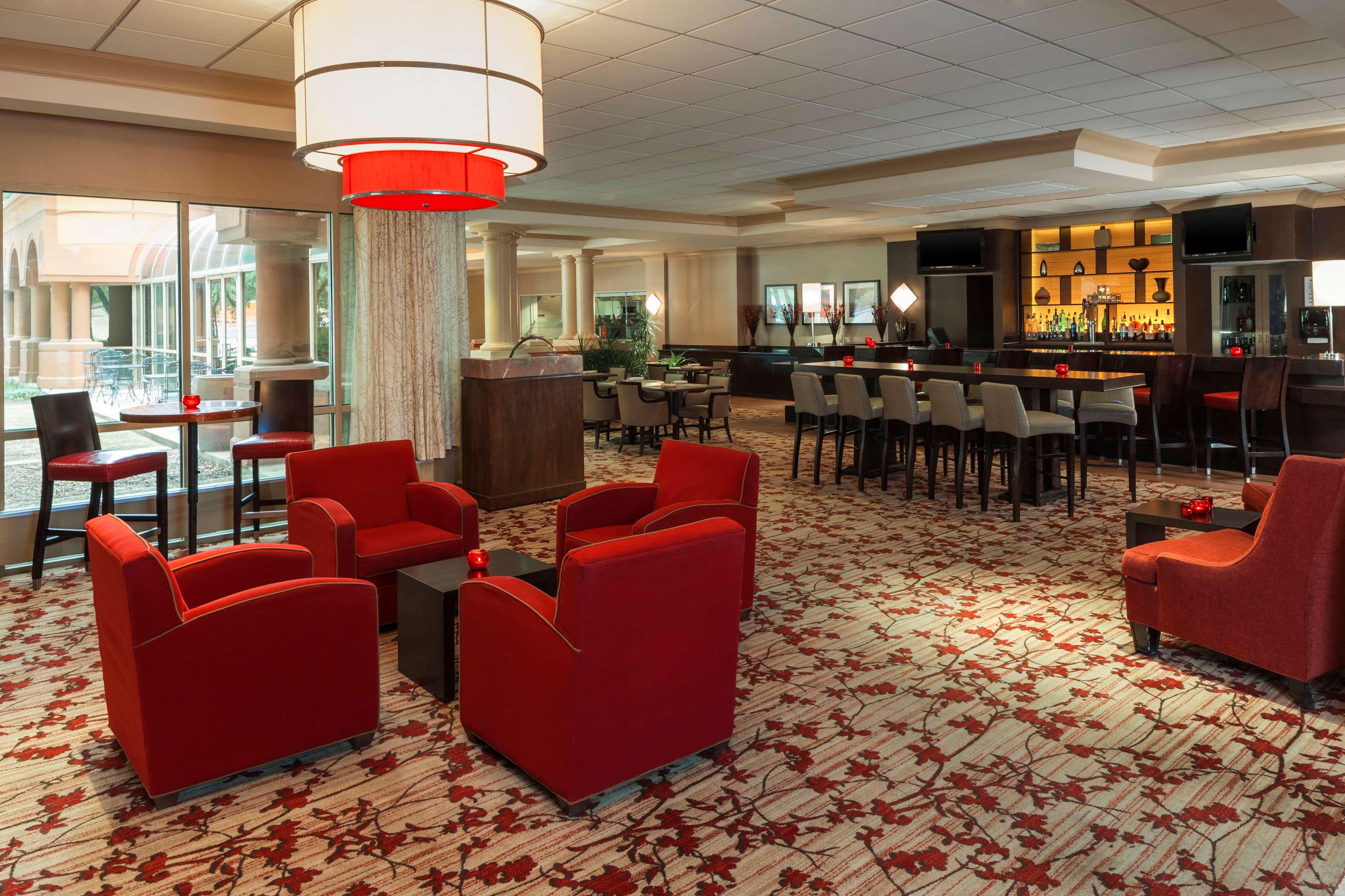 Sheraton Suites Market Center Dallas image 11