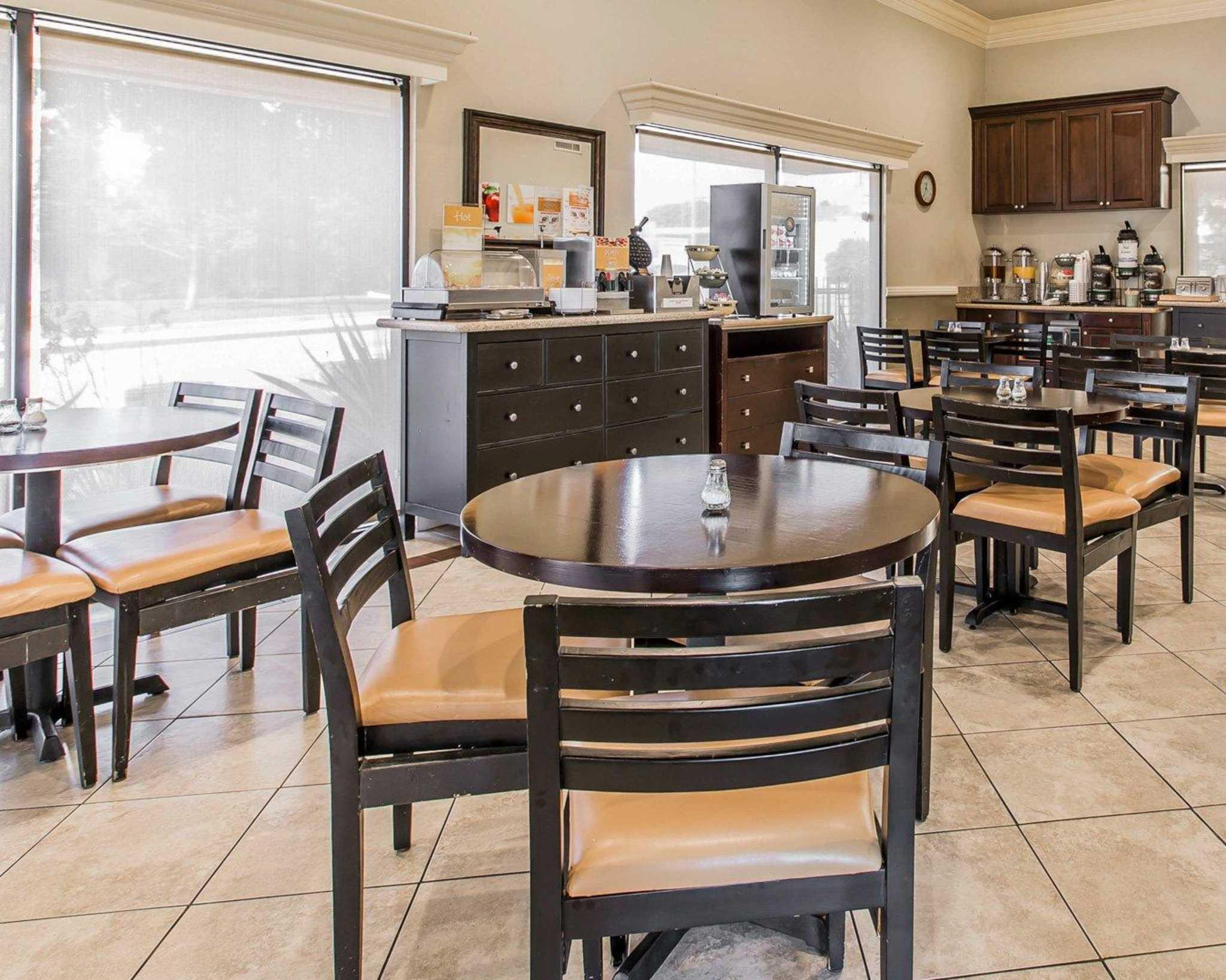 Quality Inn Long Beach Airport image 21