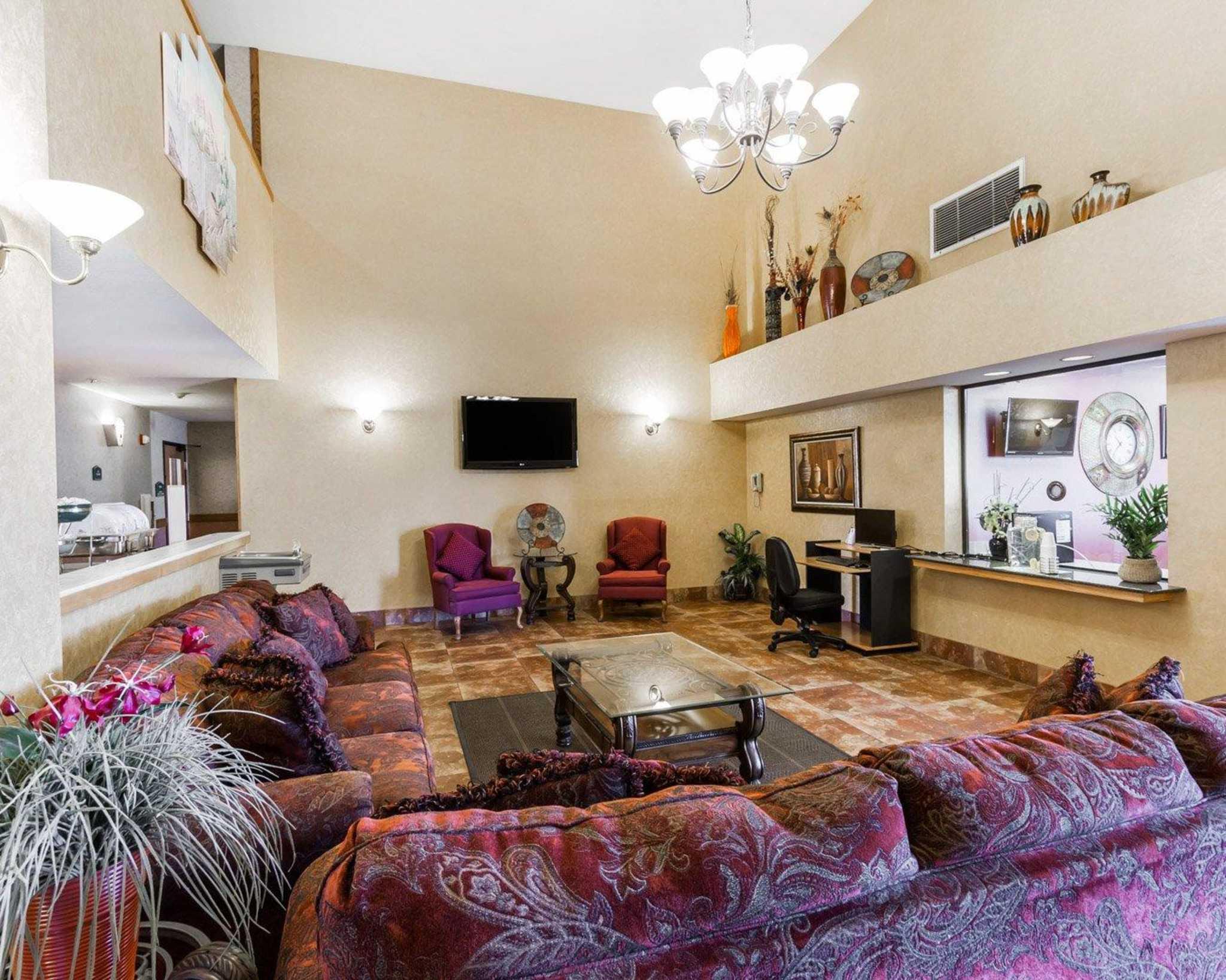 Quality Inn & Suites Surprise Near Sun City West image 22