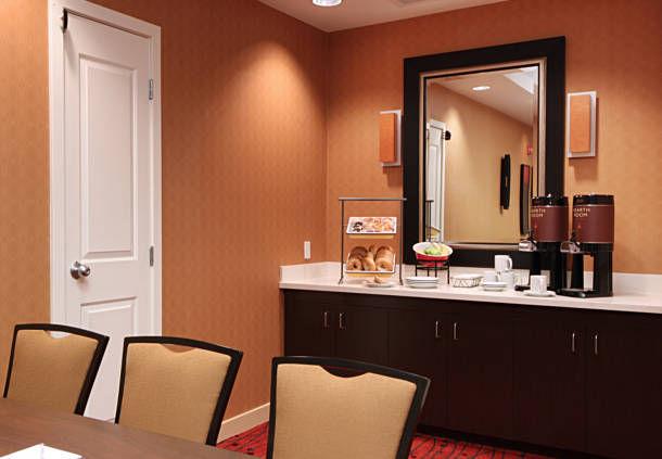 Residence Inn by Marriott Woodbridge Edison/Raritan Center image 12