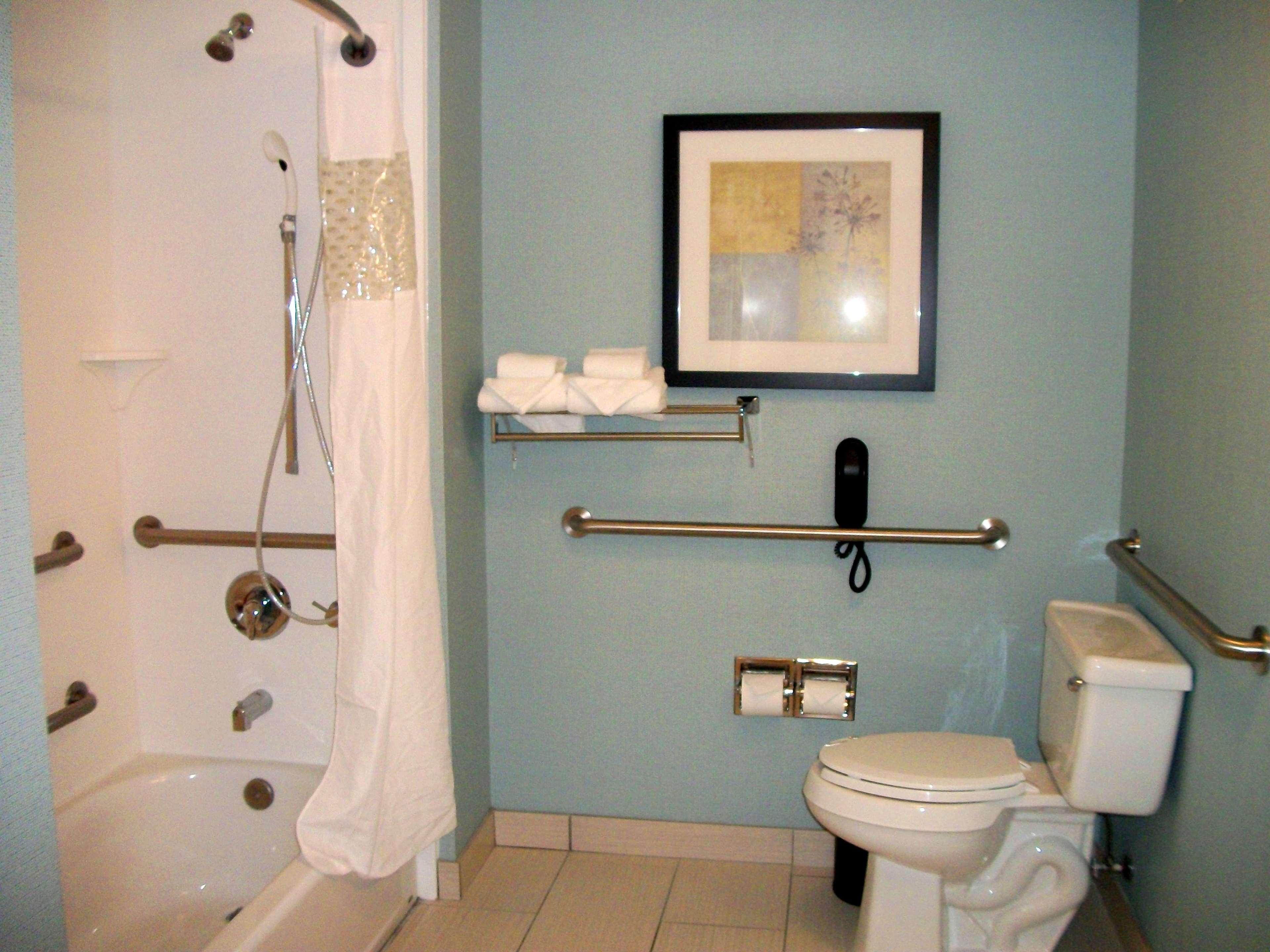 Hampton Inn & Suites Manteca image 42