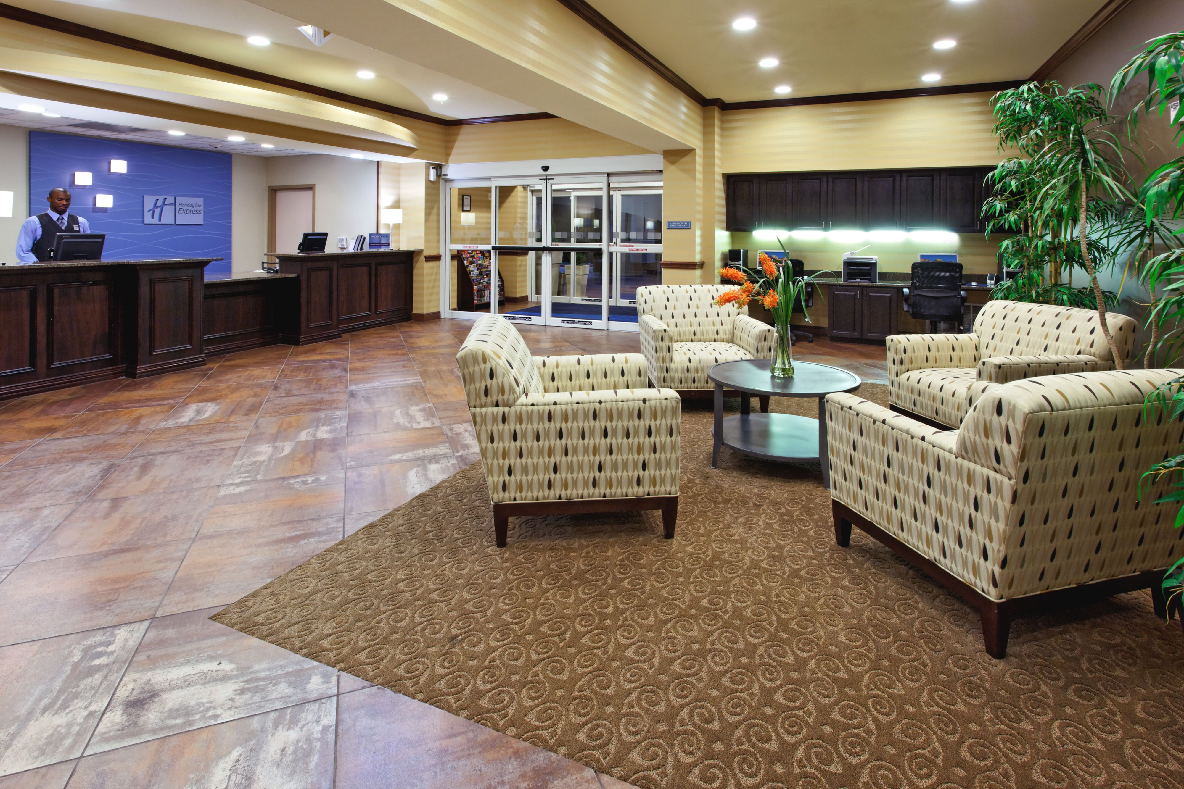 Holiday Inn Express & Suites Cleburne image 4