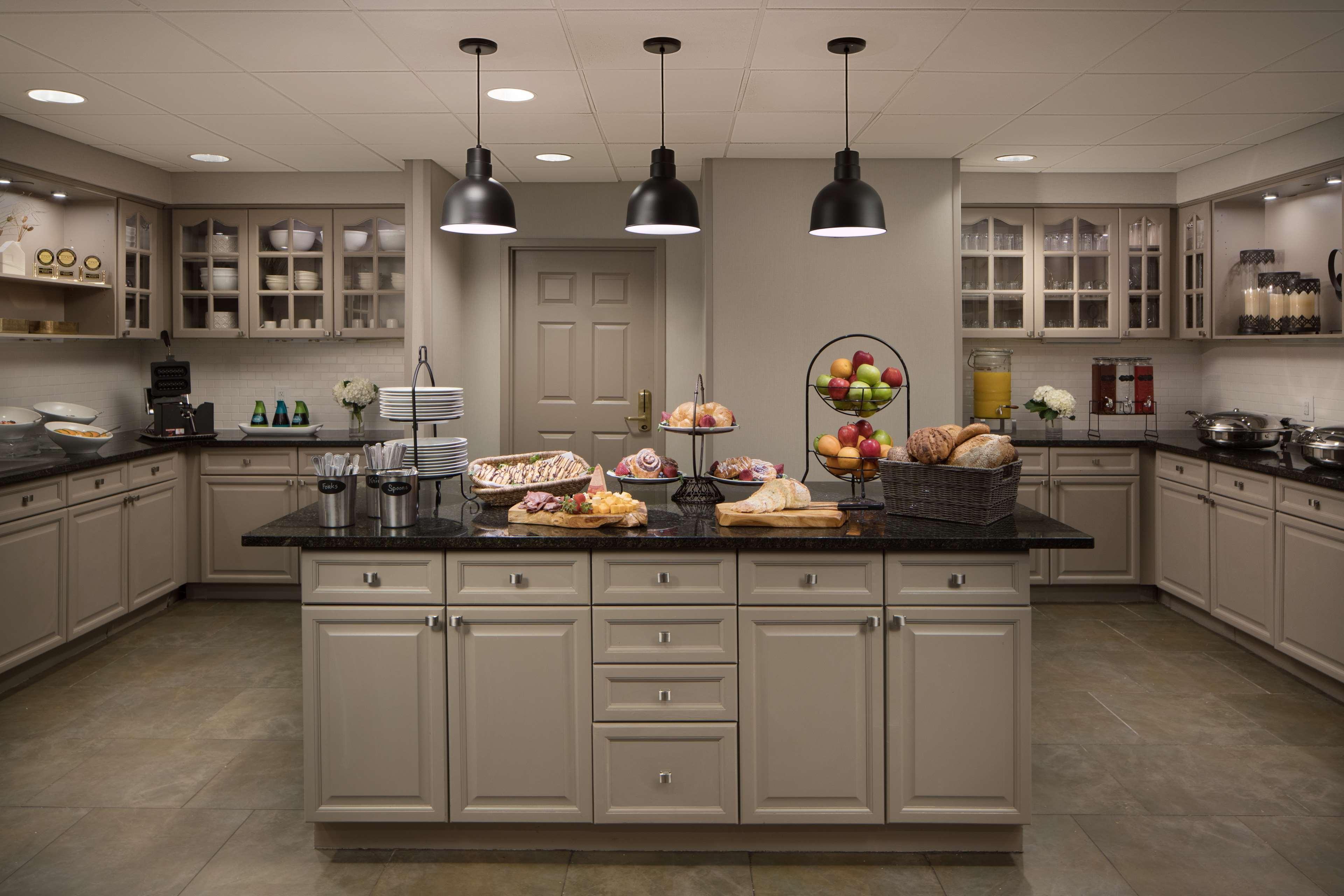 Homewood Suites by Hilton Lubbock image 9
