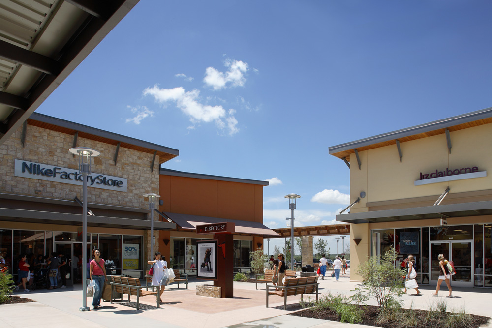 Aug 10, · Round Rock Premium Outlets features an impressive collection of the finest brands for you, your family and your home. Include a shopping stop during your next trip to the area. You're sure to find impressive savings of 25% to 65% all year round 4/4().