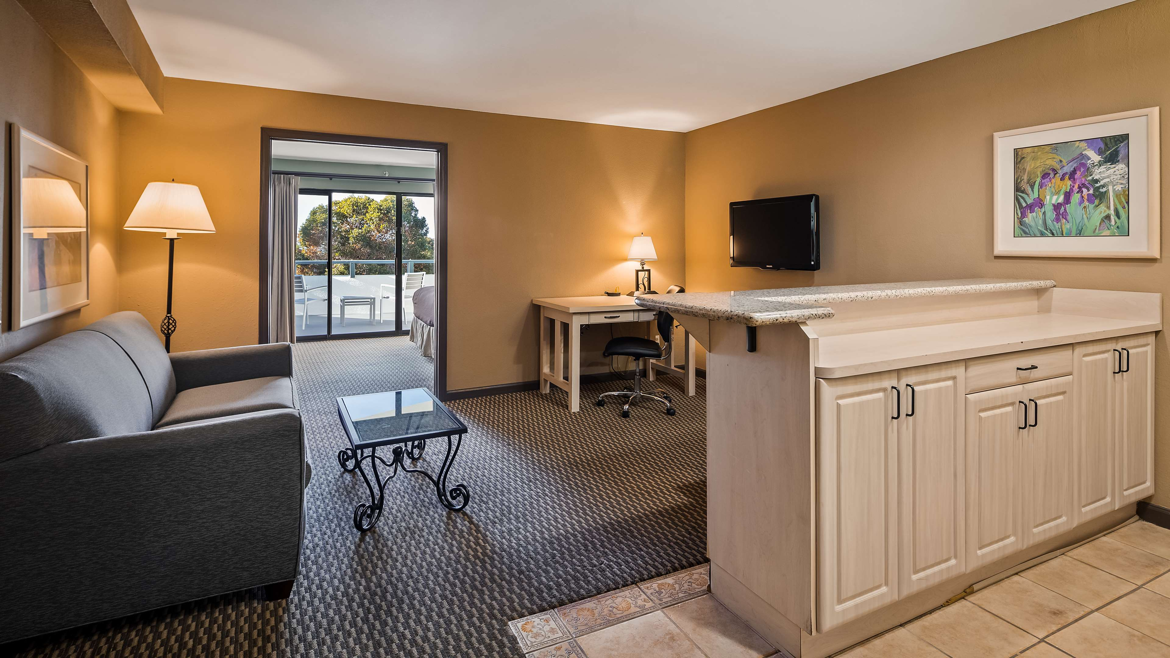 Best Western Encinitas Inn & Suites at Moonlight Beach image 12