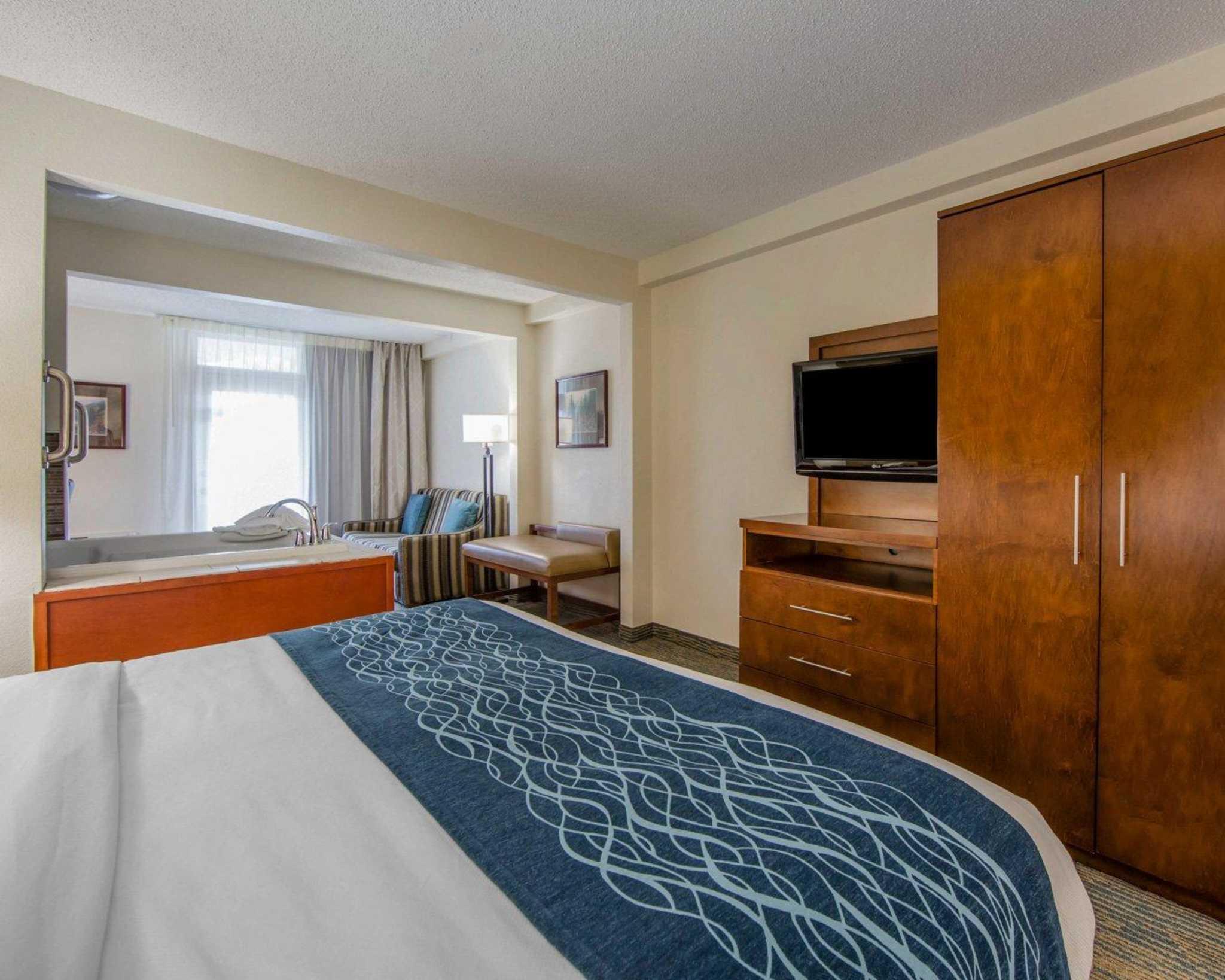 Comfort Inn Apple Valley image 34