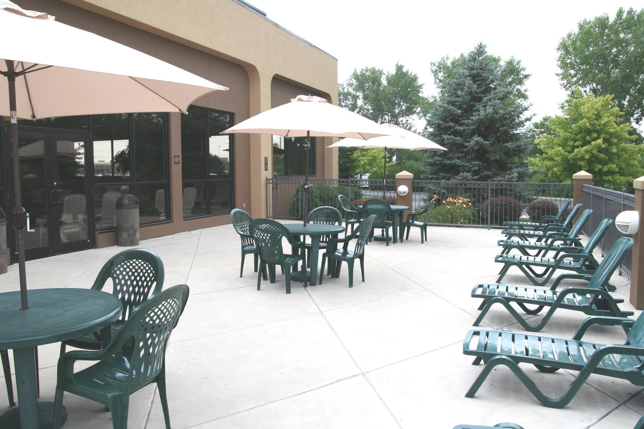 Hampton Inn Toledo-South/Maumee image 8