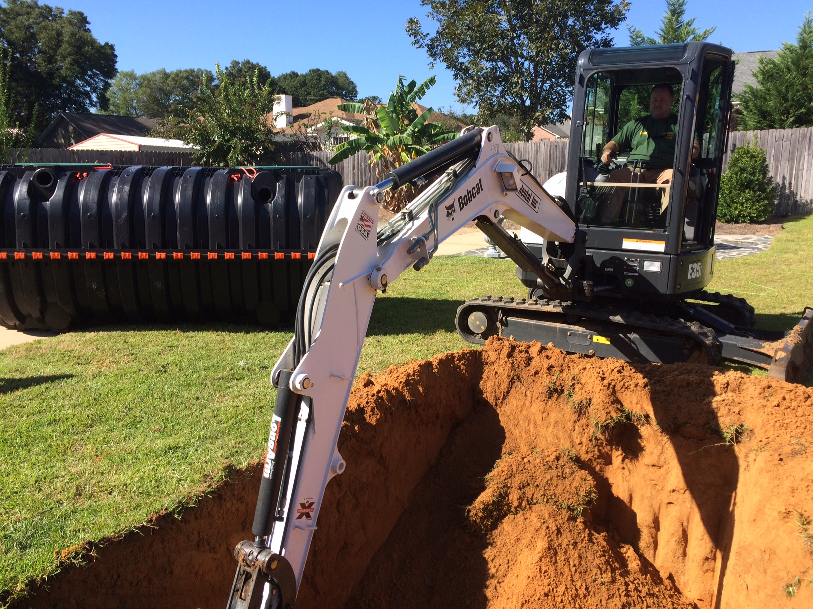 Installing a 1000 gallon plastic septic tank