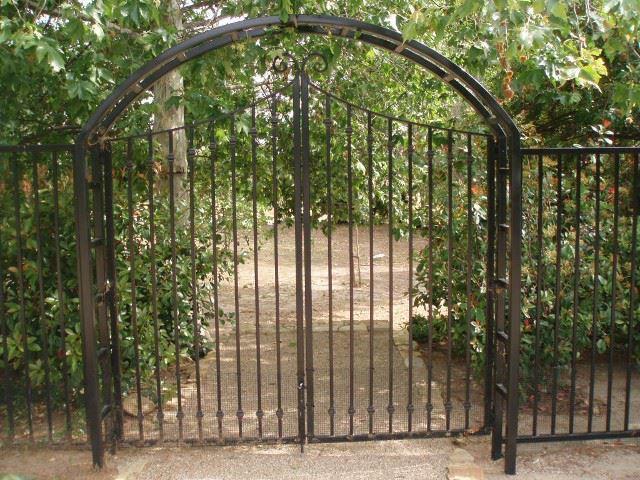 Magnum Fence & Security image 1