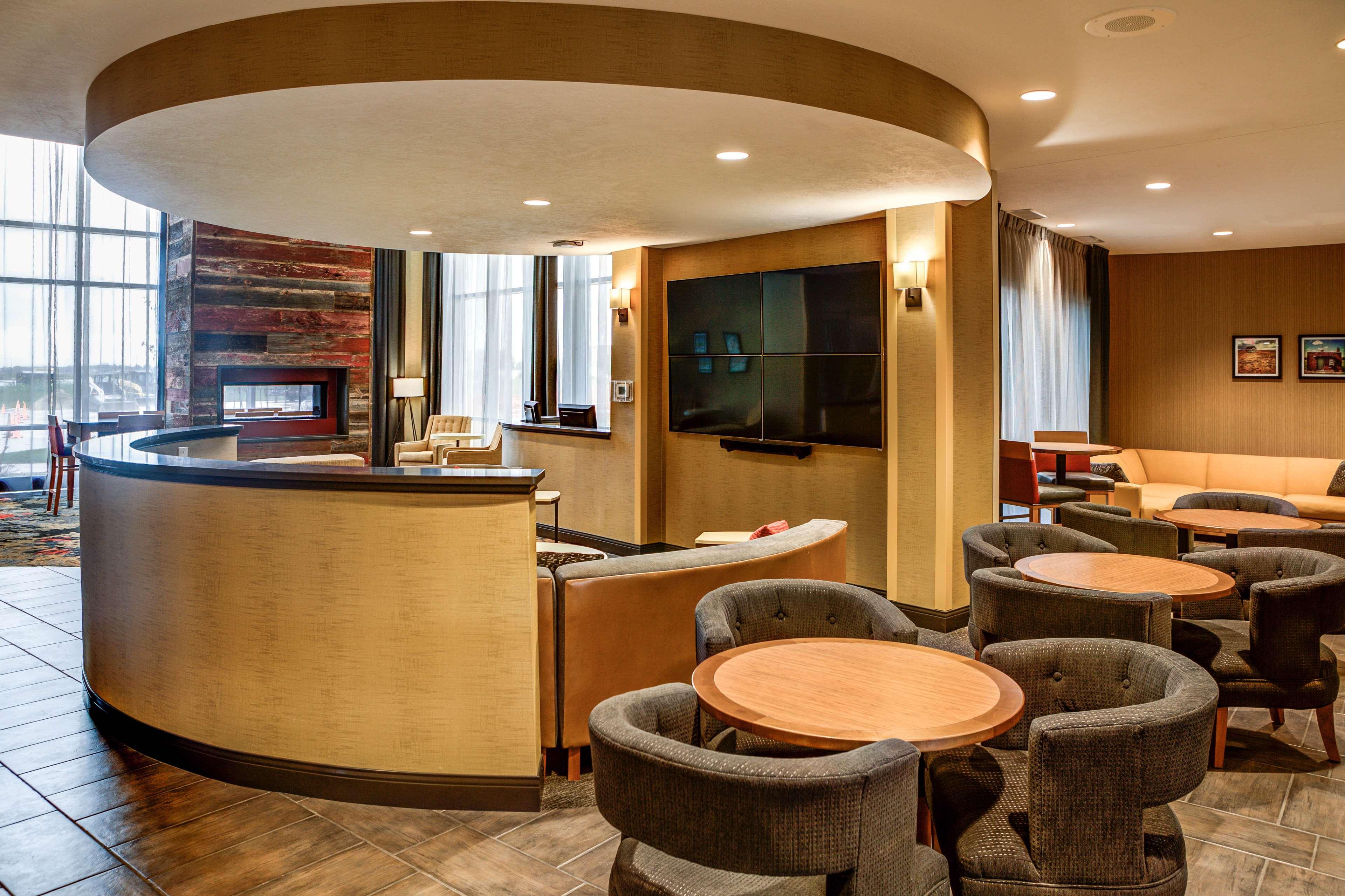 DoubleTree by Hilton West Fargo image 7