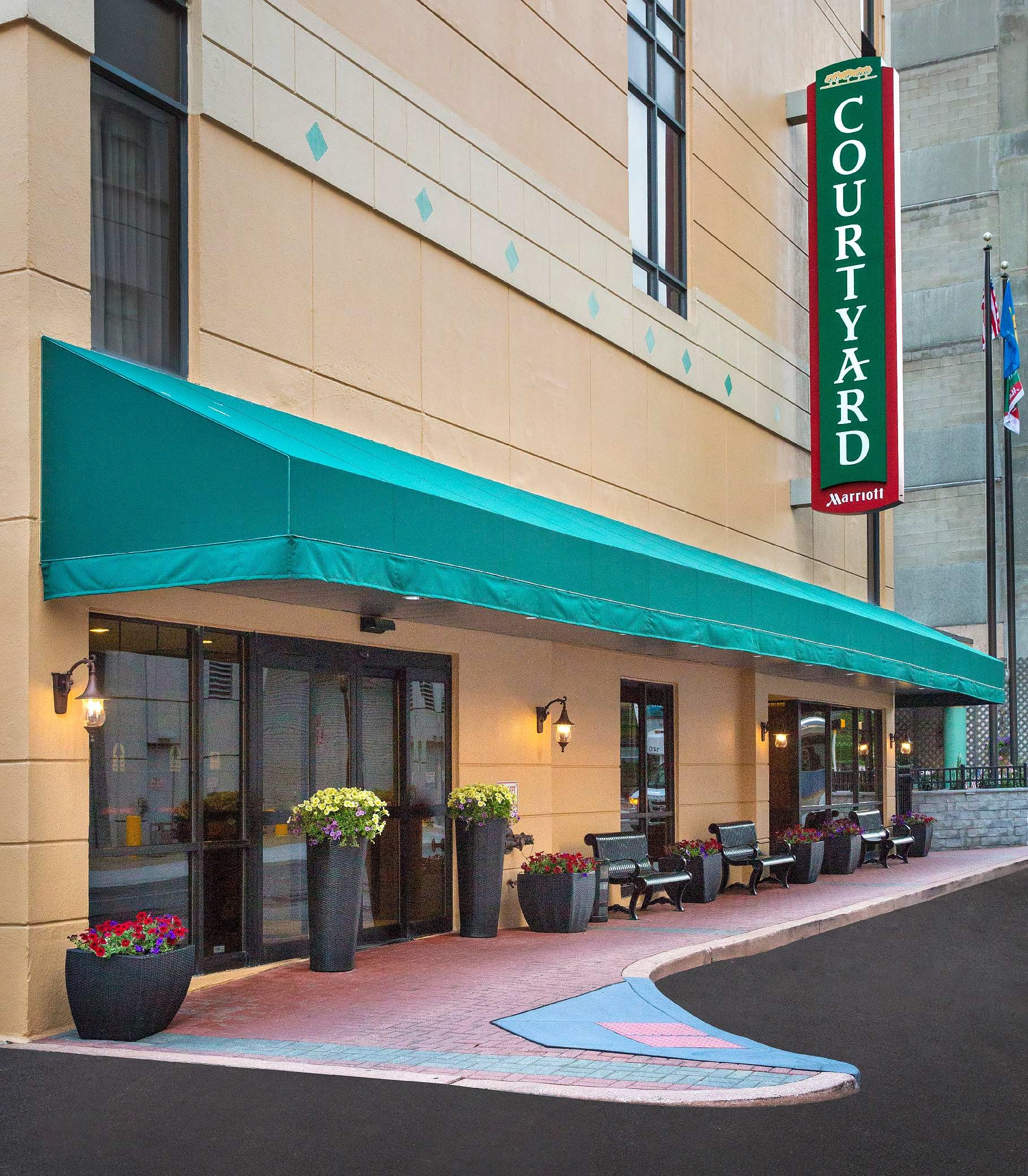 Courtyard by Marriott Wilmington Downtown image 0