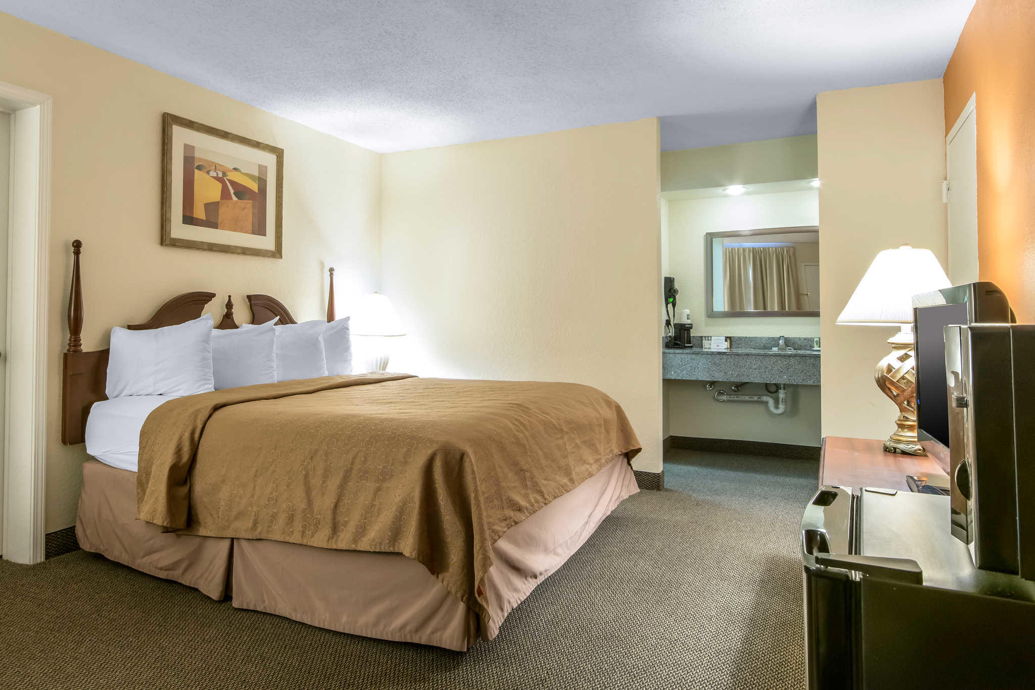 Quality Inn - Closed image 23