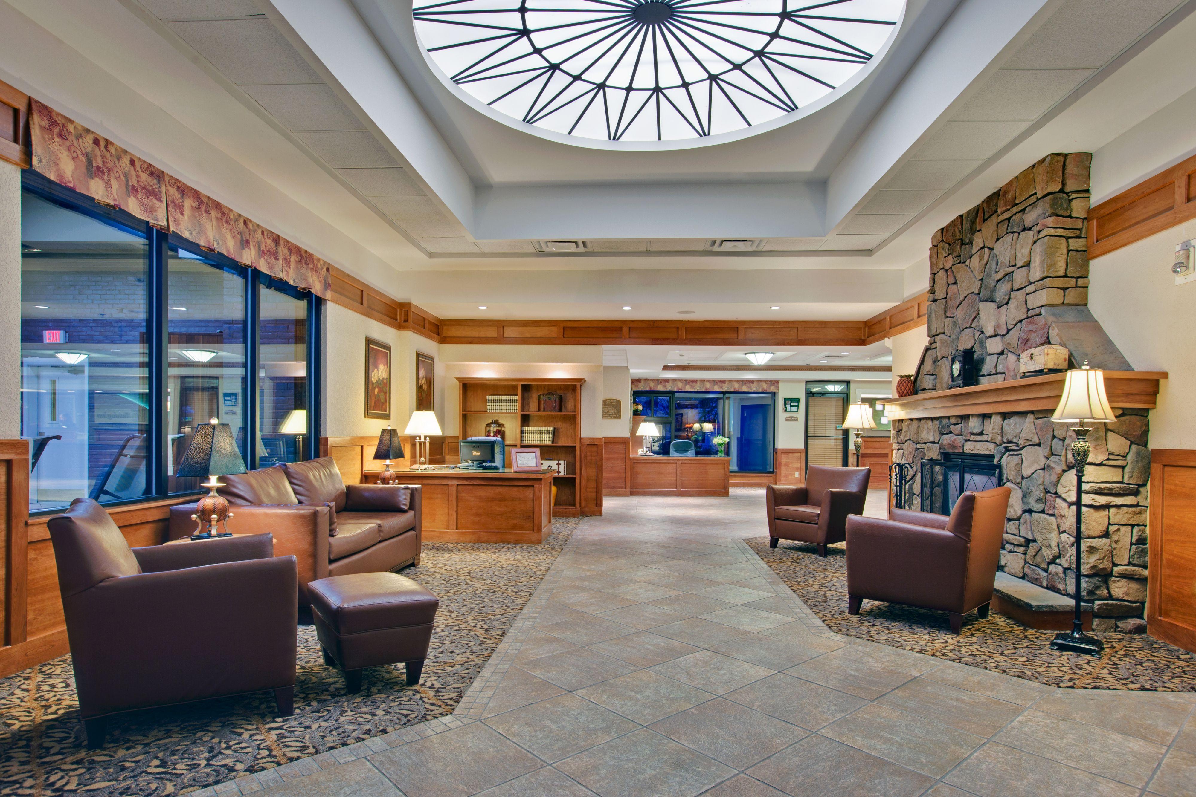 Holiday Inn Burlington image 4