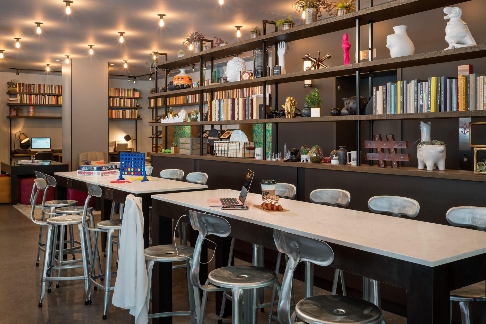 MOXY Chicago Downtown image 17