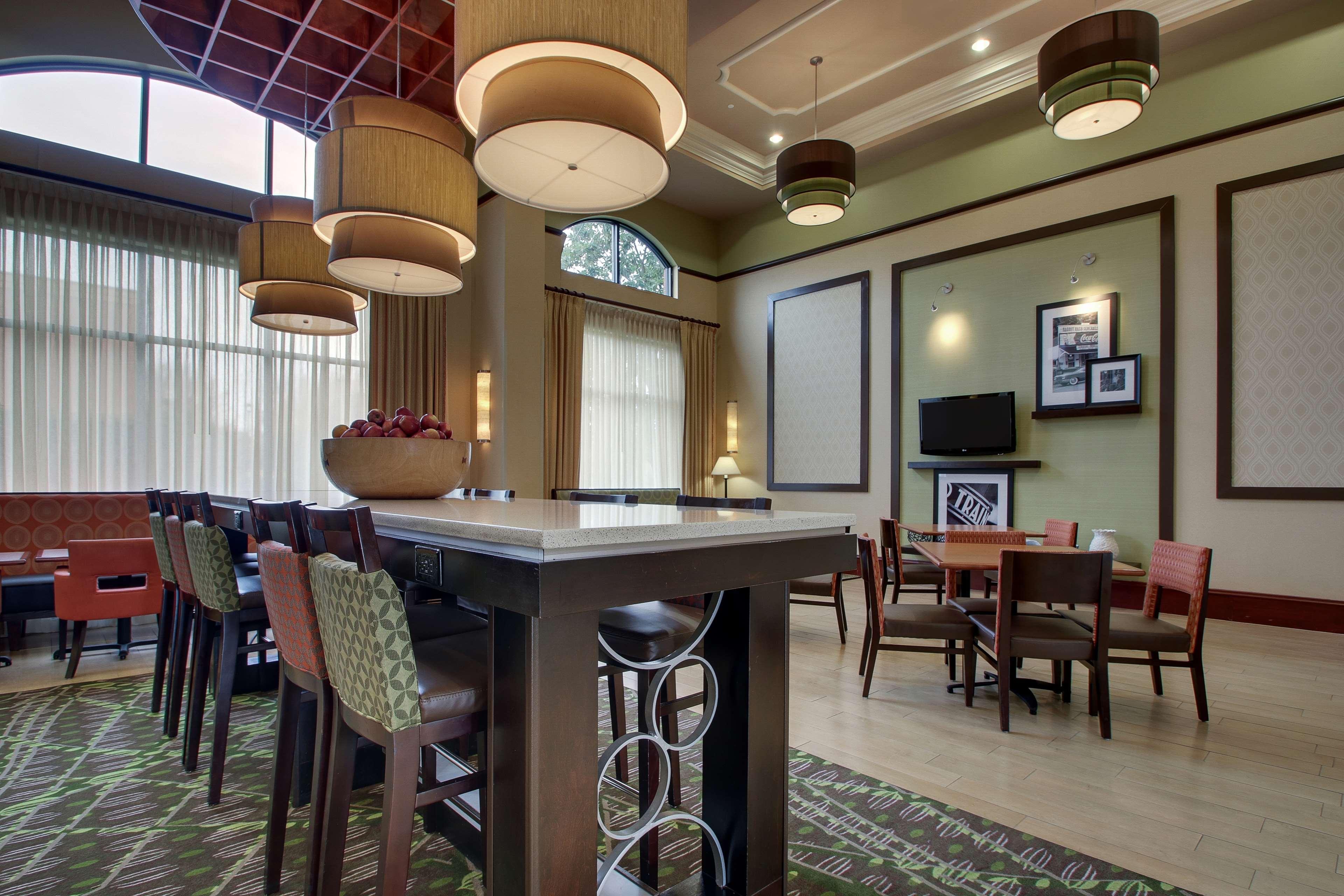 Hampton Inn & Suites Spartanburg-I-26-Westgate Mall image 3