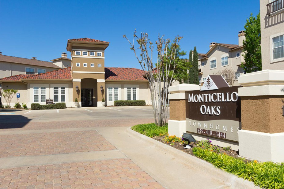 Monticello Oaks Apartments in Fort Worth, TX - (817) 502-1...