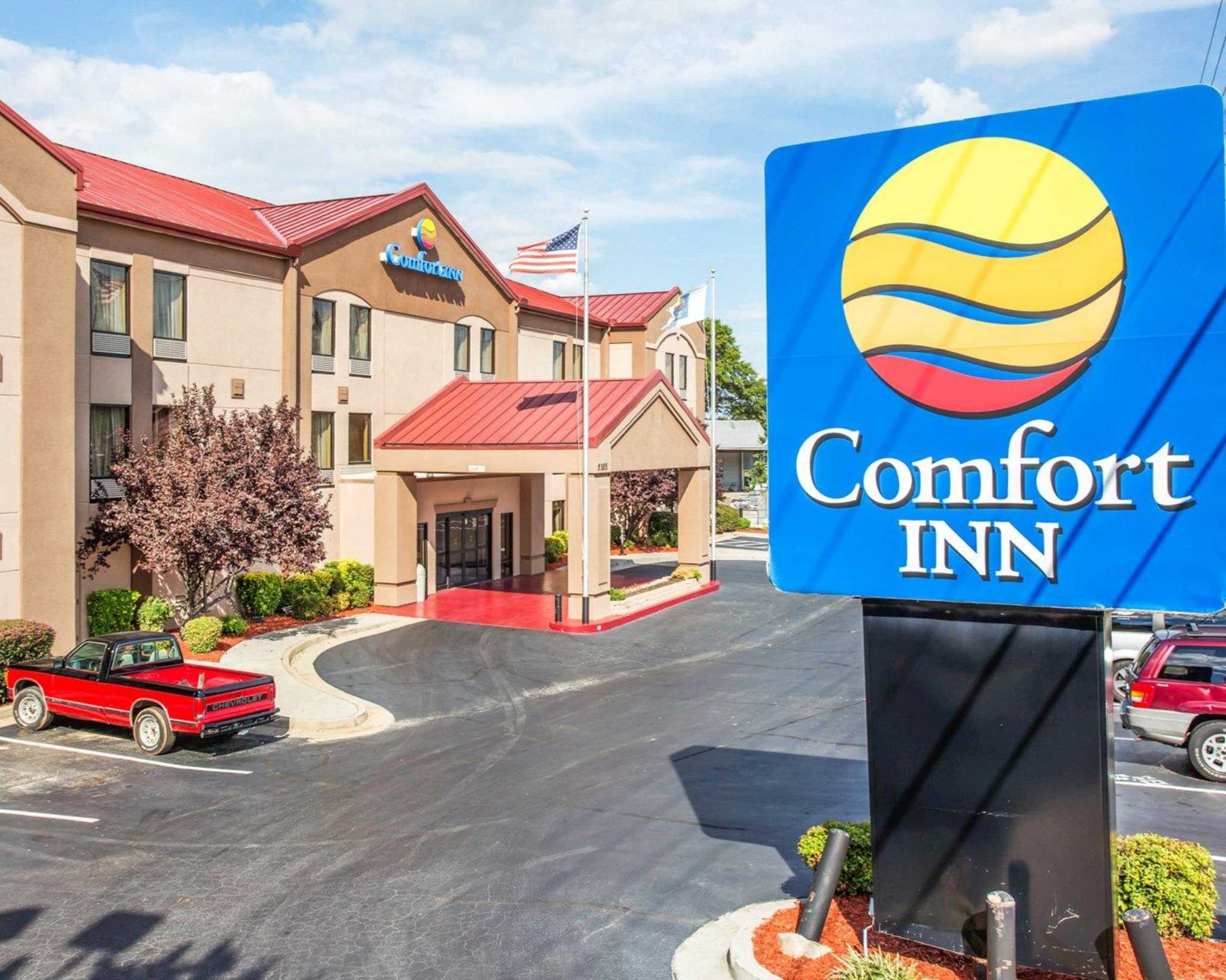 Comfort Inn & Suites at Stone Mountain image 1