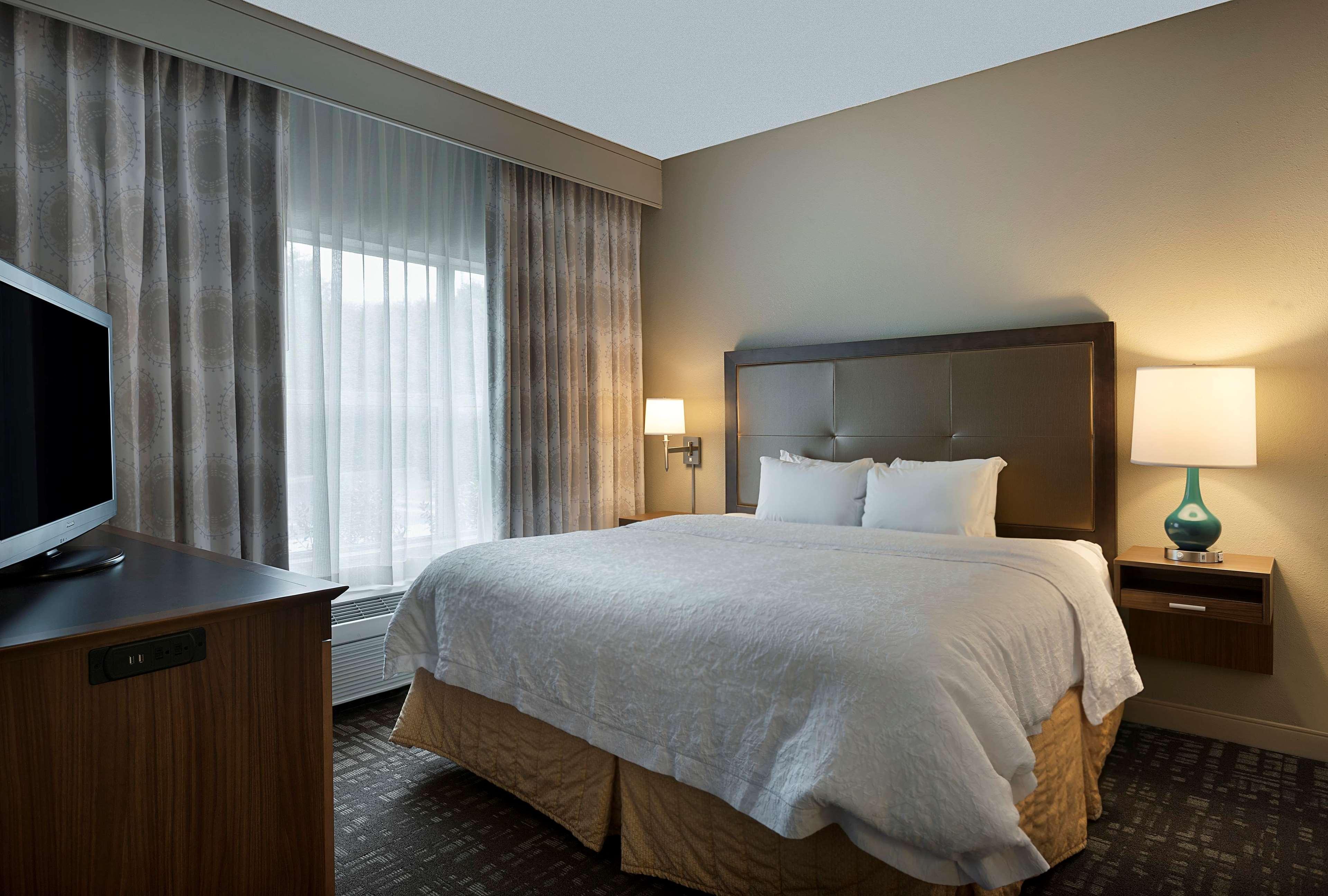 Hampton Inn & Suites Charlotte/Pineville image 20