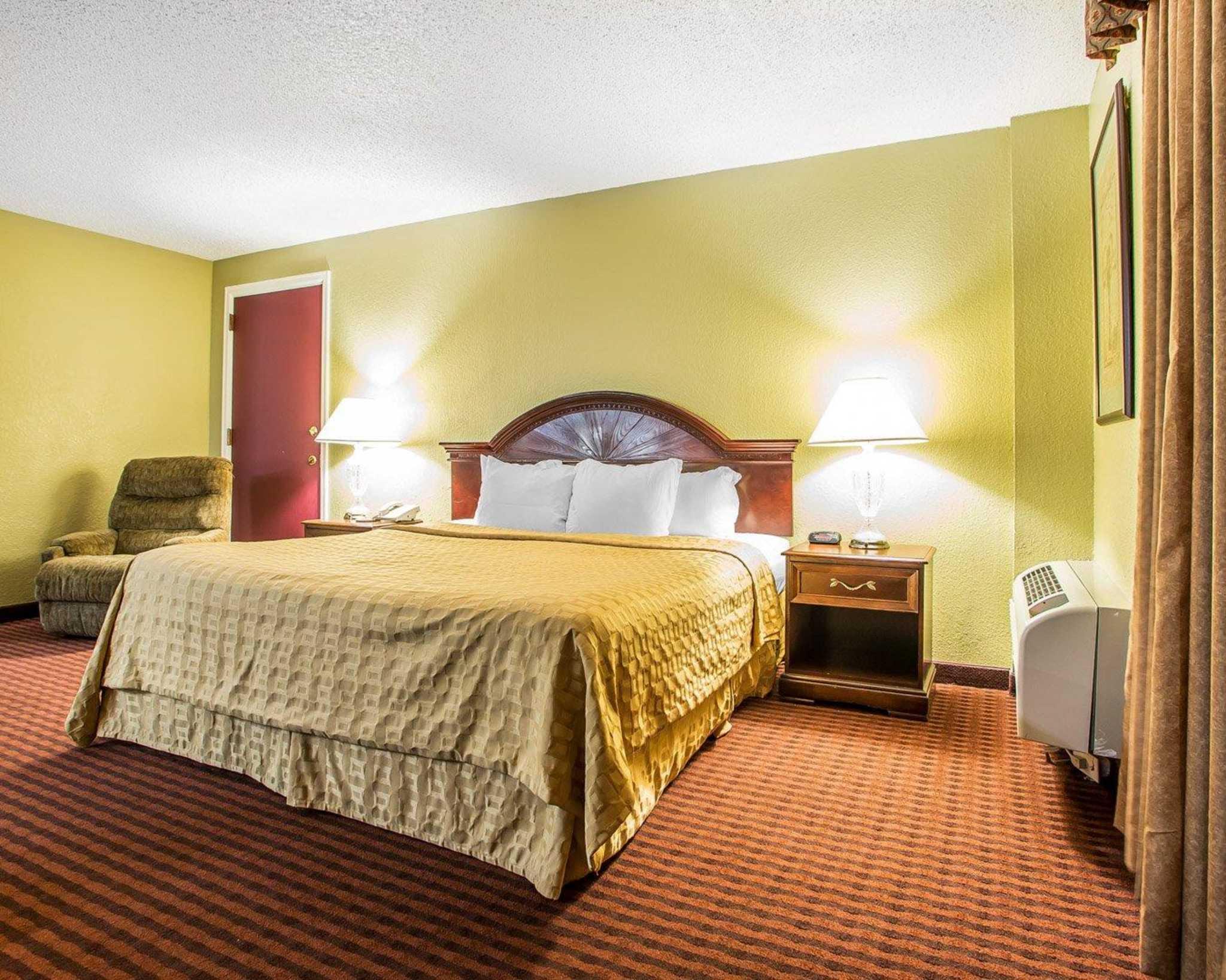 Clarion Hotel Highlander Conference Center image 27
