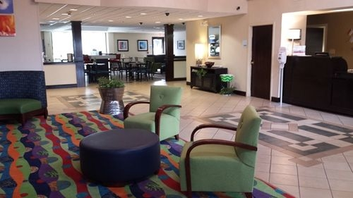 Holiday Inn Express & Suites Morehead City - ad image