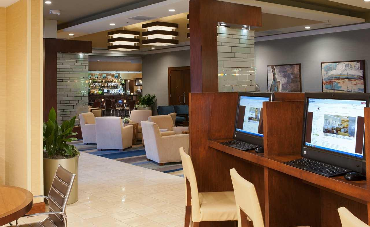 DoubleTree by Hilton Hotel Collinsville - St. Louis image 20