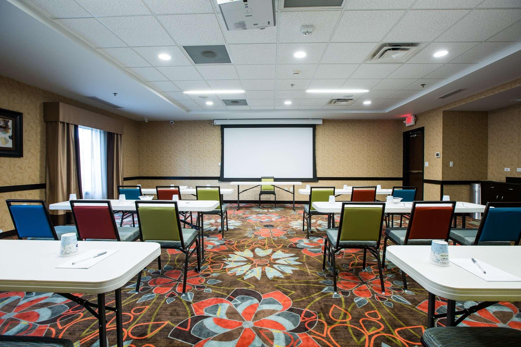 Hampton Inn & Suites Toledo/Westgate image 15