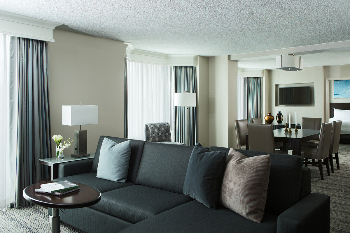 Chicago Marriott Suites Downers Grove image 8