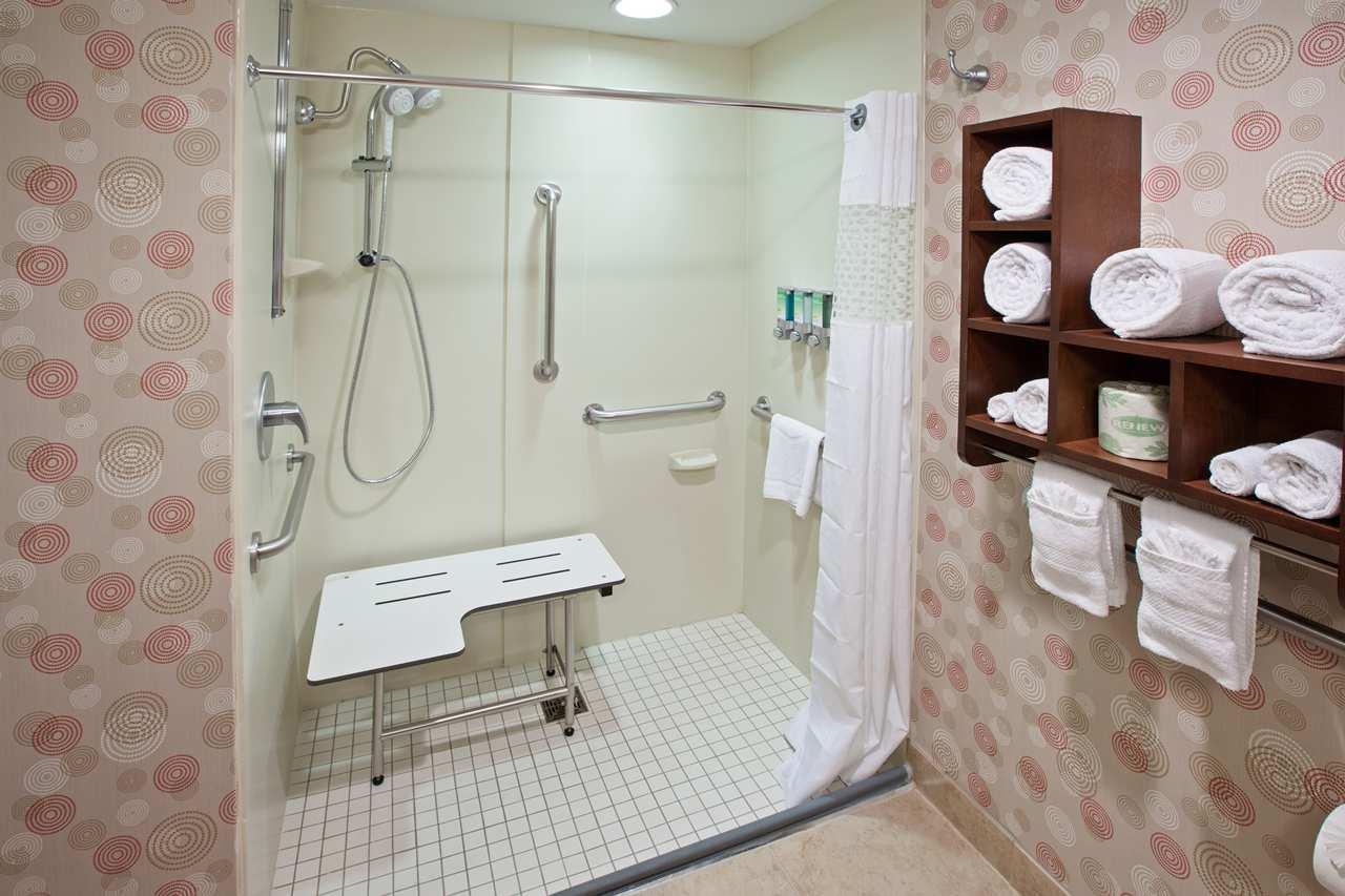 Hampton Inn & Suites Chicago-North Shore/Skokie image 7