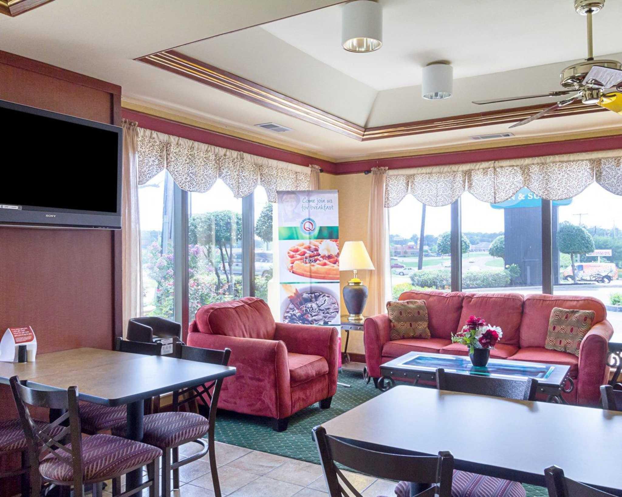 Quality Inn & Suites Southwest image 21
