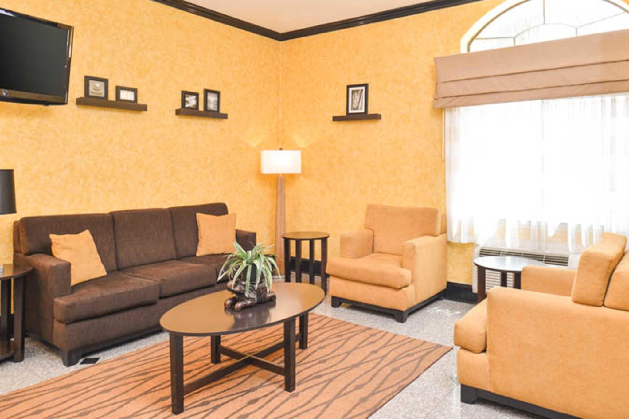 Sleep Inn & Suites Near Downtown North image 7