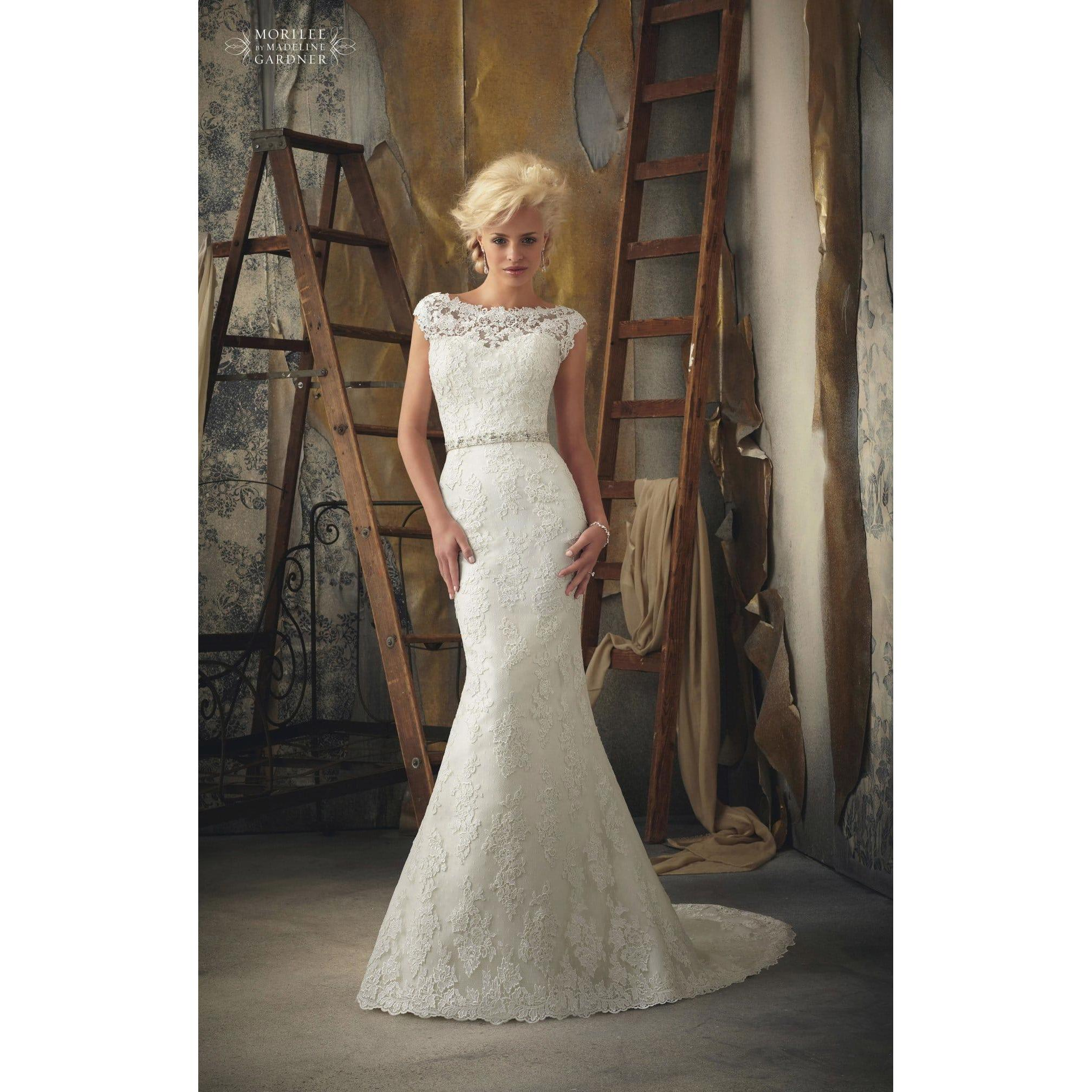 Wedding Belles Llanidloes: Marriage Gowns And Decoration