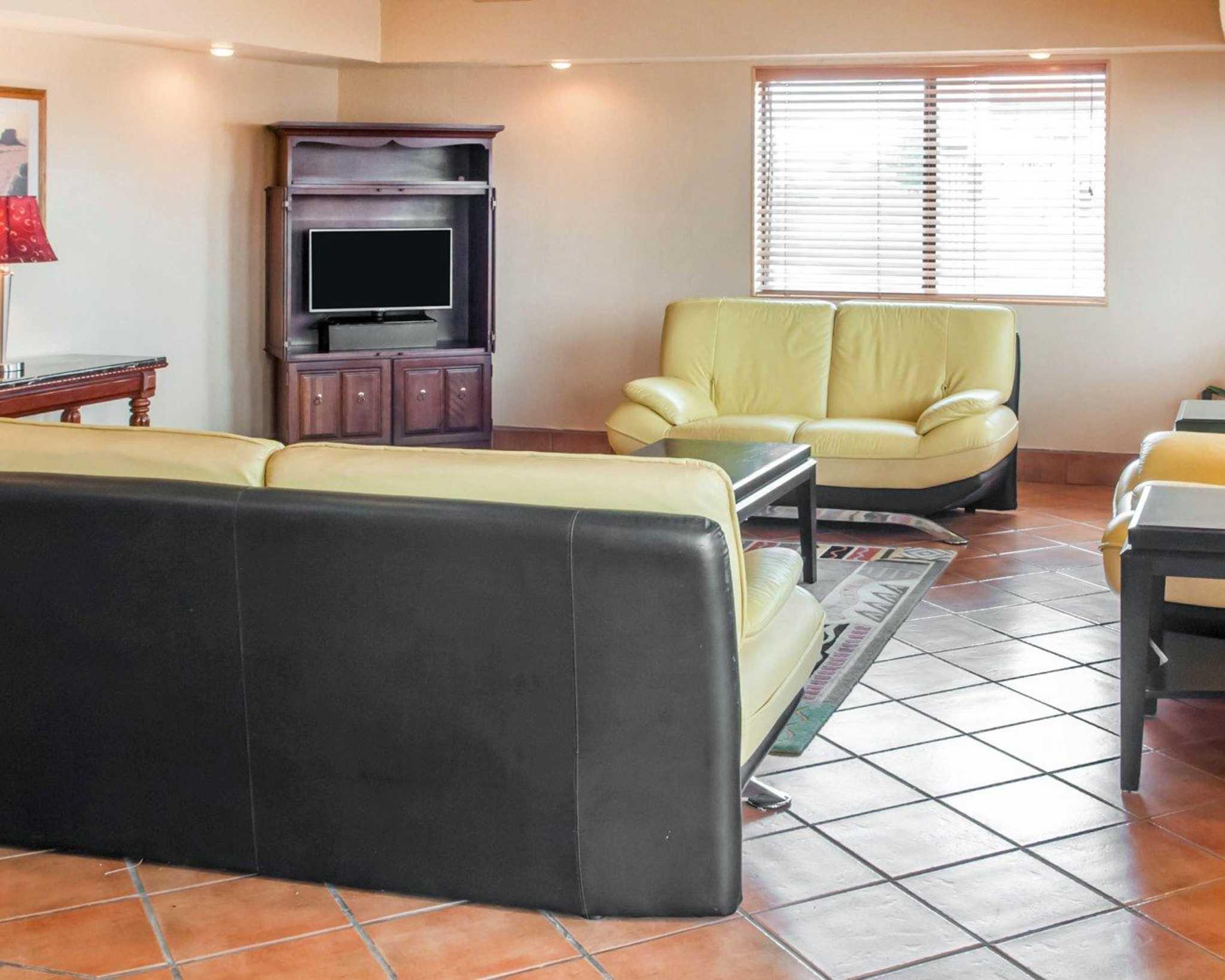 Econo Lodge Lordsburg I-10 image 15