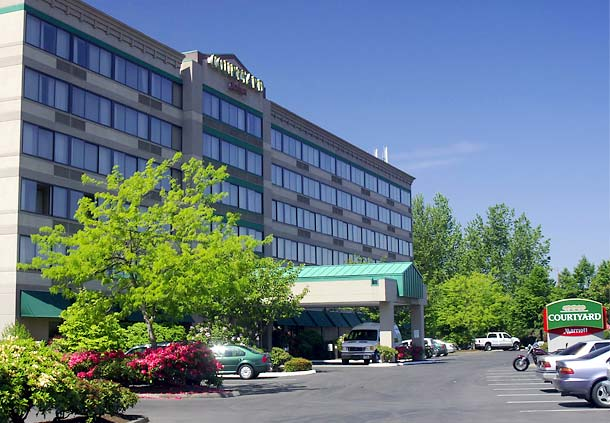 Courtyard by Marriott Portland Airport image 1